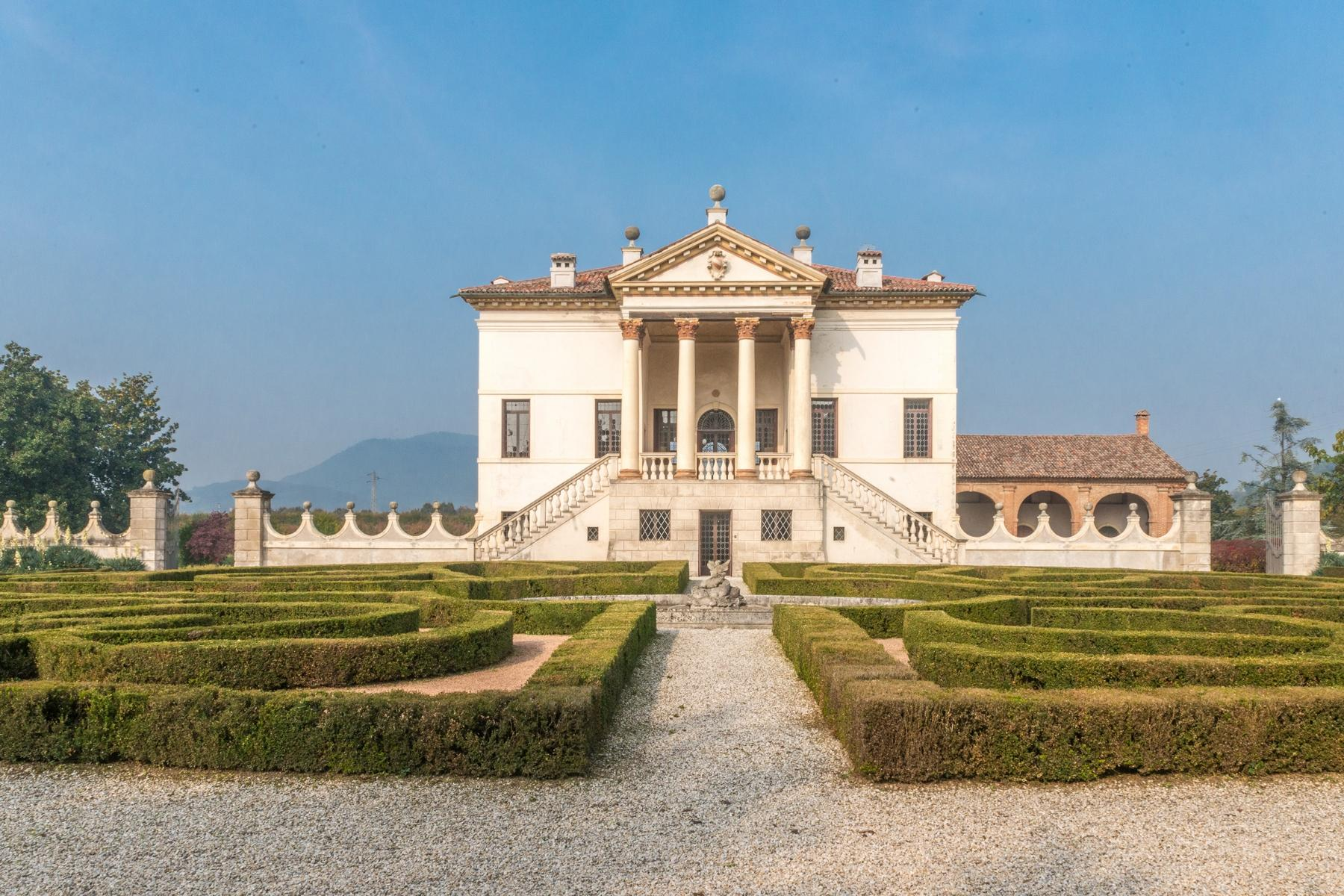 Magnificent villa of historical and artistic value - 27