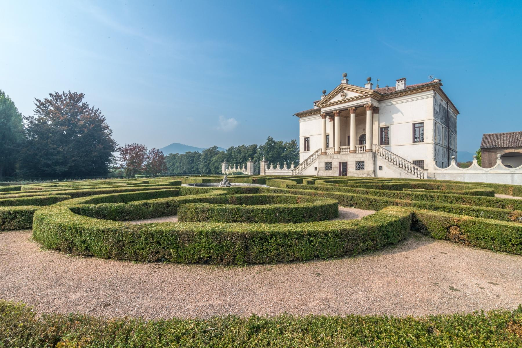 Magnificent villa of historical and artistic value - 28
