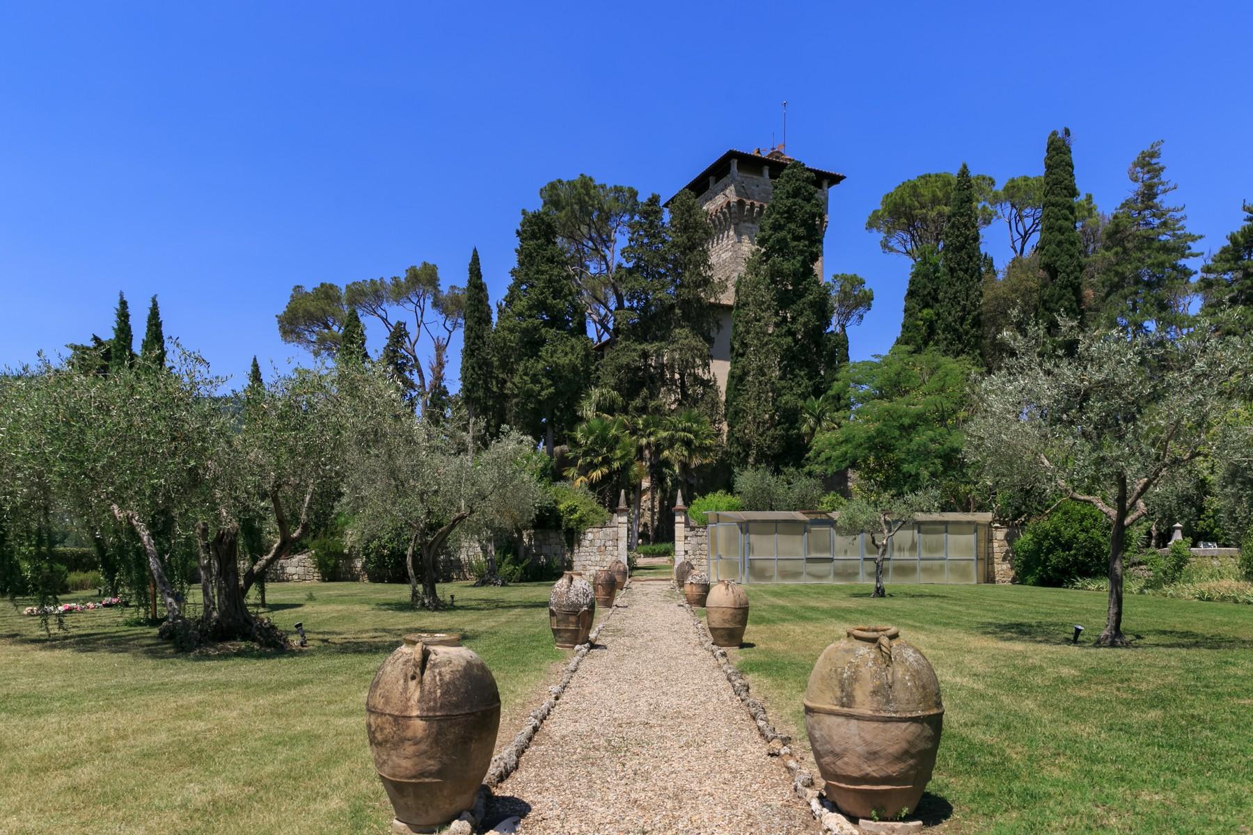 Rocca di Cetona, un'incantevole villa con viste mozzafiato dei paesaggi - 4