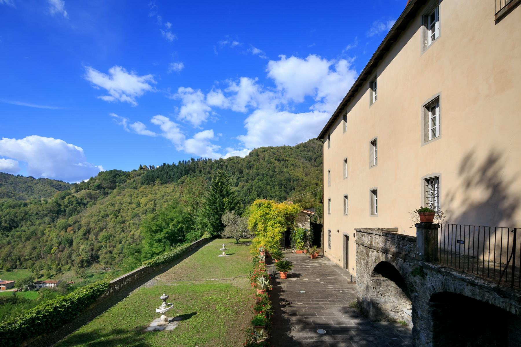 Splendid villa among the hills of Lucca - 4