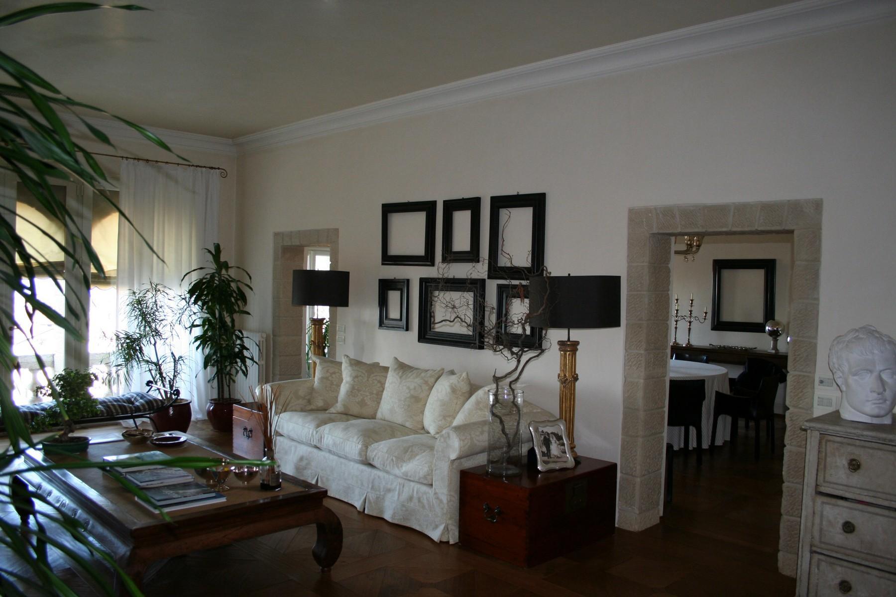 雄伟的威尼斯式别墅内的绝妙阁楼 - 8