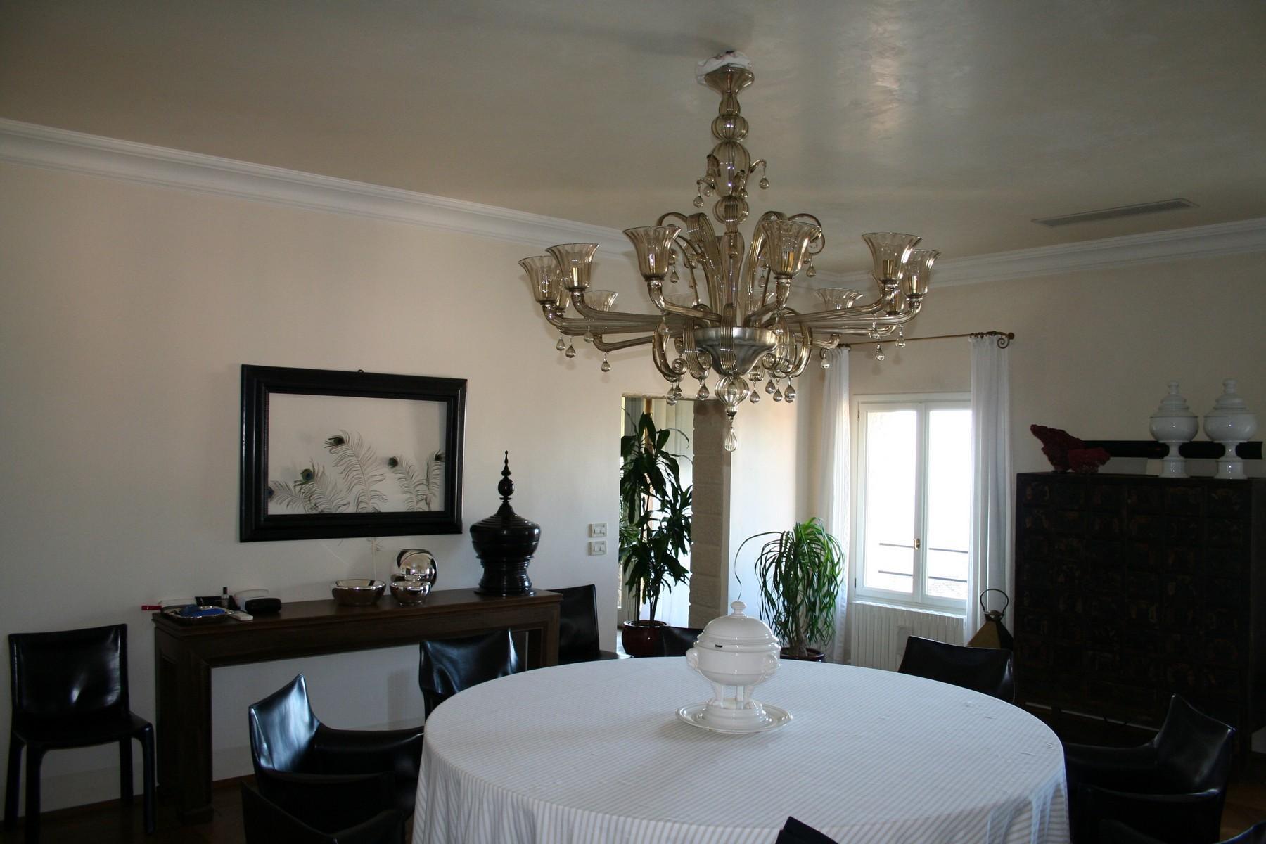 雄伟的威尼斯式别墅内的绝妙阁楼 - 7