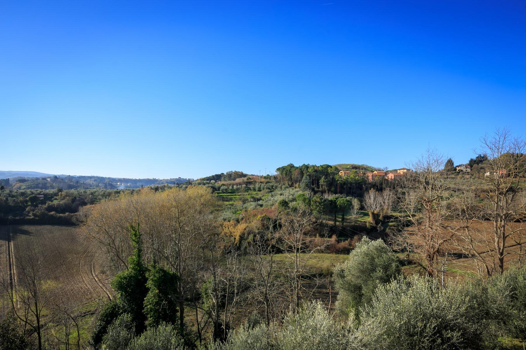 Замечательная вилла с восхитительными видами на долину в окрестностях Пизы, Италия - 10