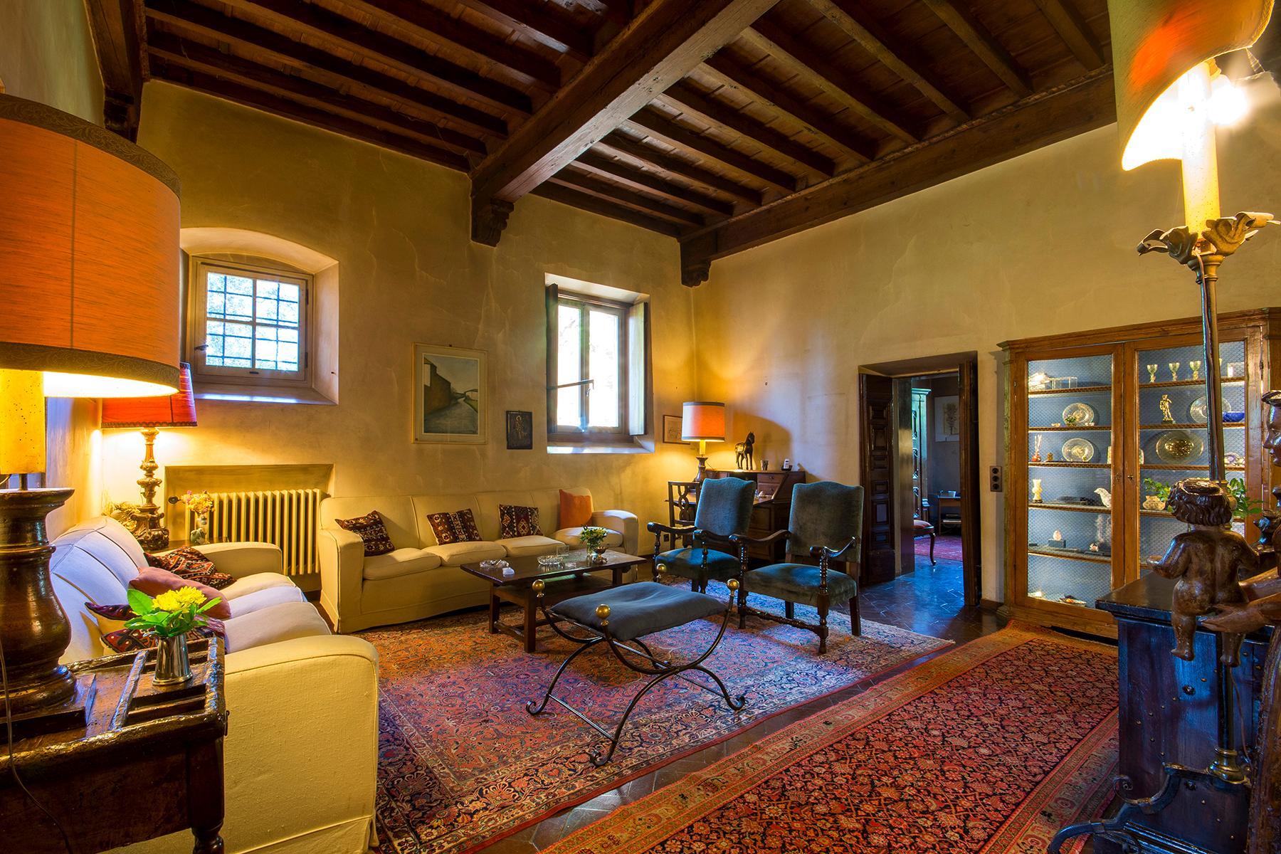 Wunderschöne Villa auf den Hügeln von Florenz - 2