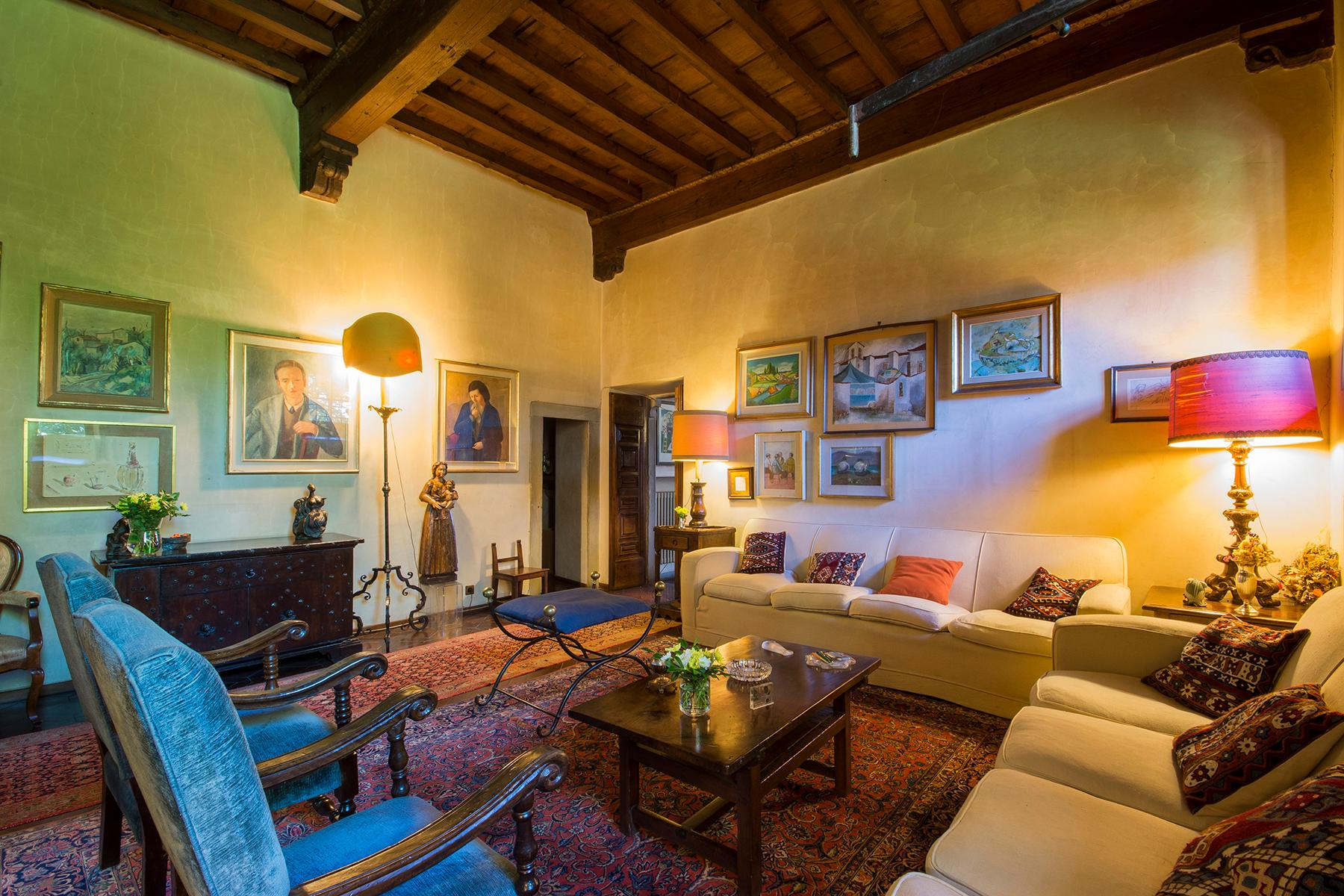 Wunderschöne Villa auf den Hügeln von Florenz - 1