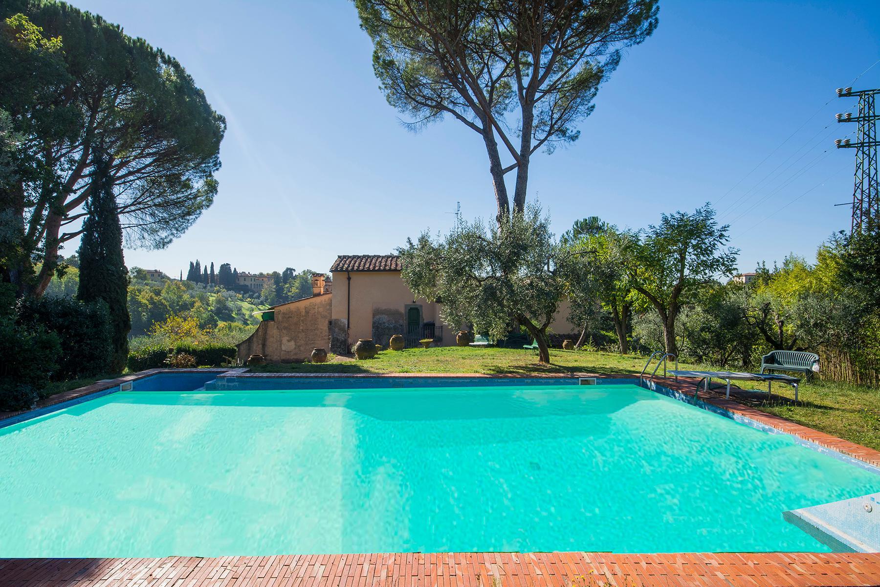 Wunderschöne Villa auf den Hügeln von Florenz - 14