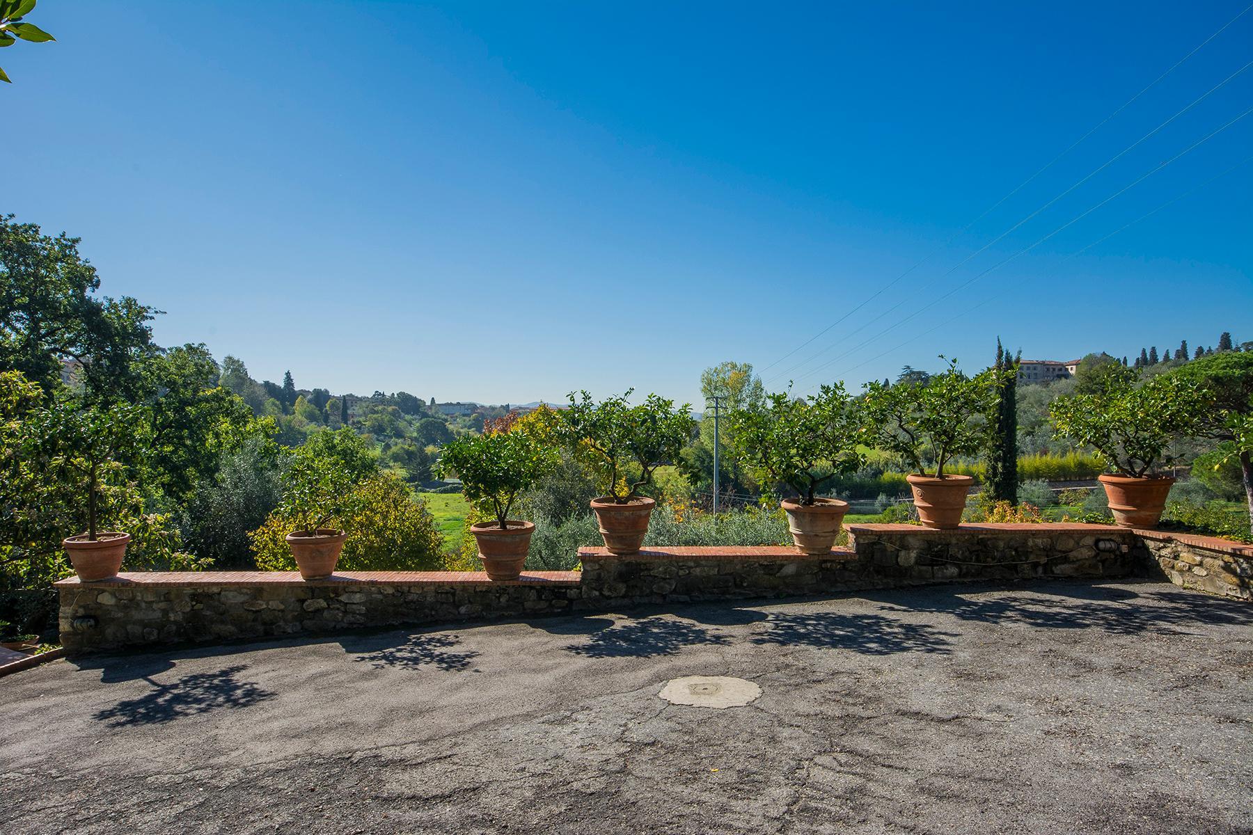 Wunderschöne Villa auf den Hügeln von Florenz - 15