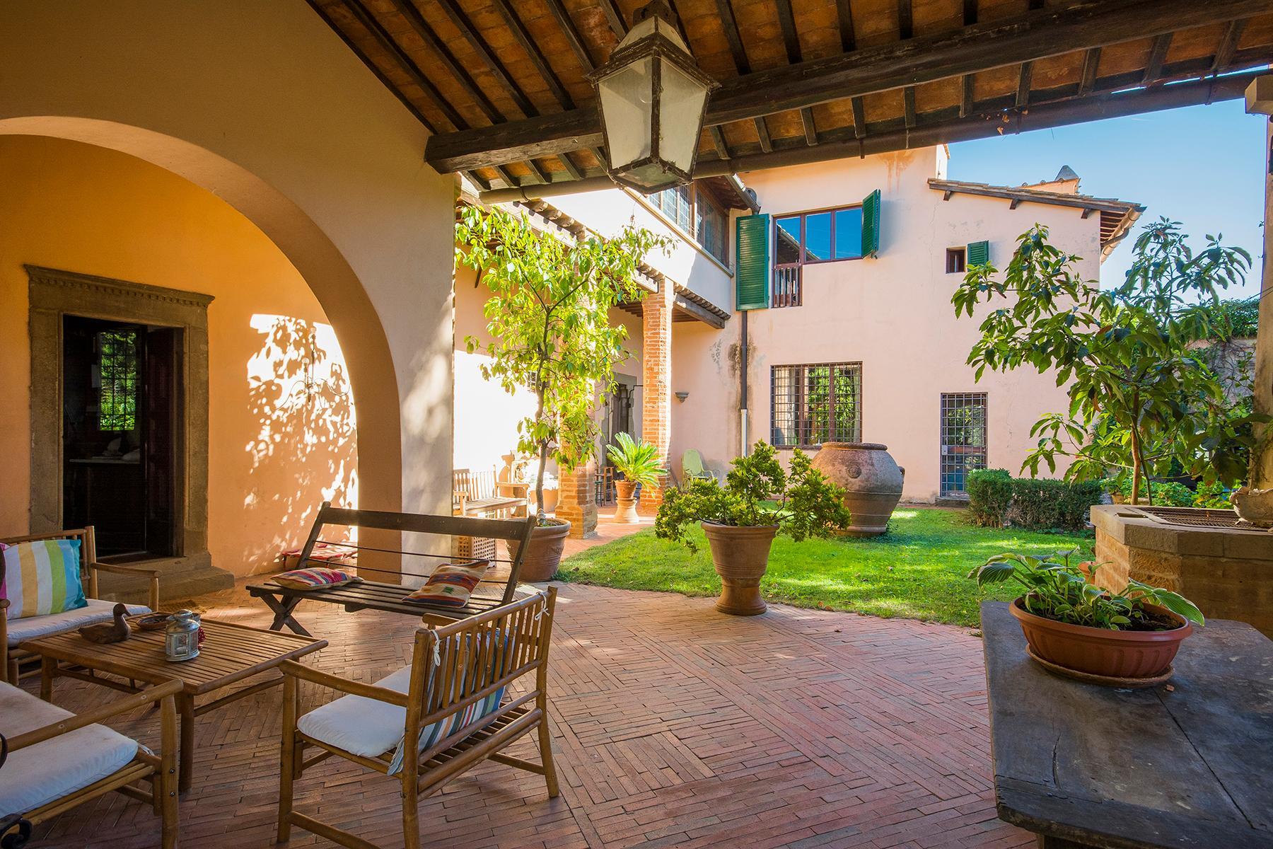 Wunderschöne Villa auf den Hügeln von Florenz - 17