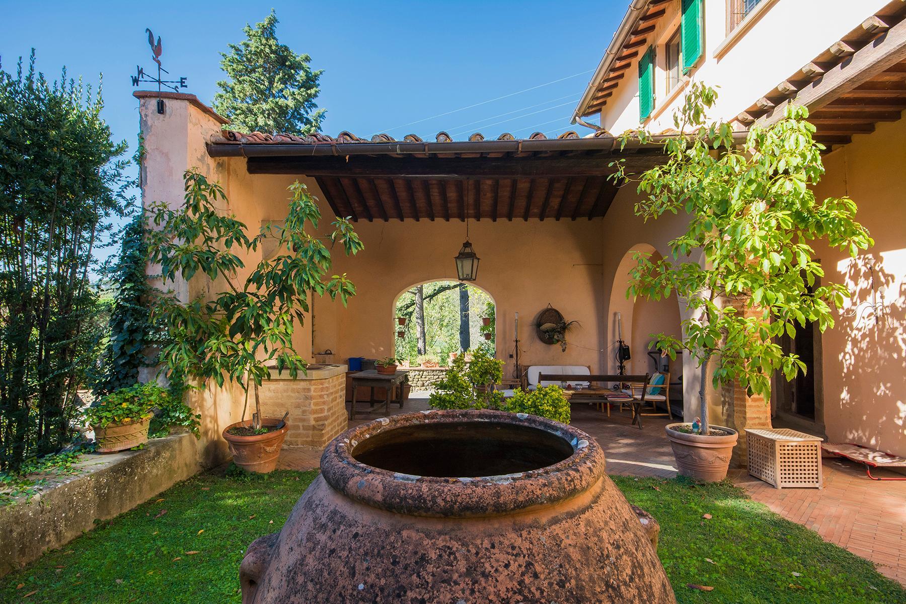 Wunderschöne Villa auf den Hügeln von Florenz - 18