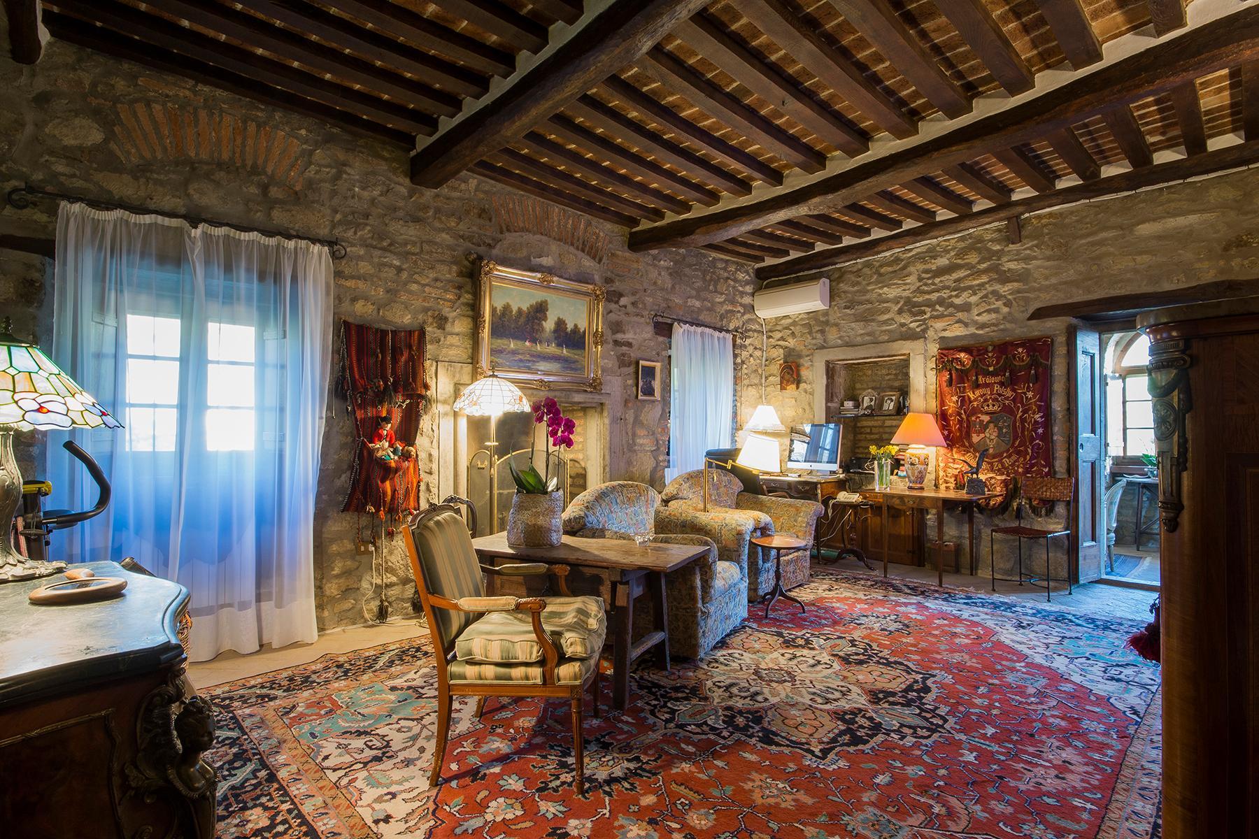 Magnificent villa with a breathtaking view in Cortona - 14