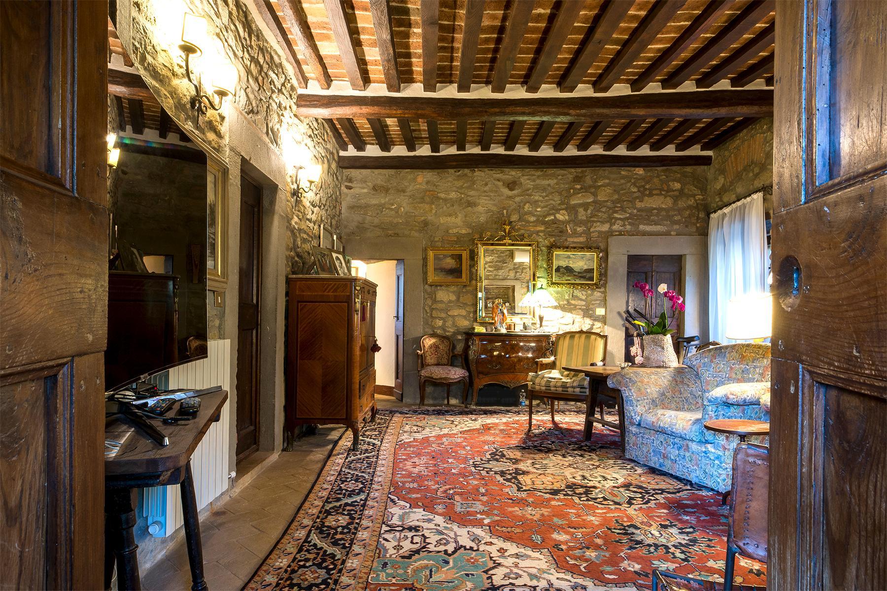 Magnificent villa with a breathtaking view in Cortona - 15