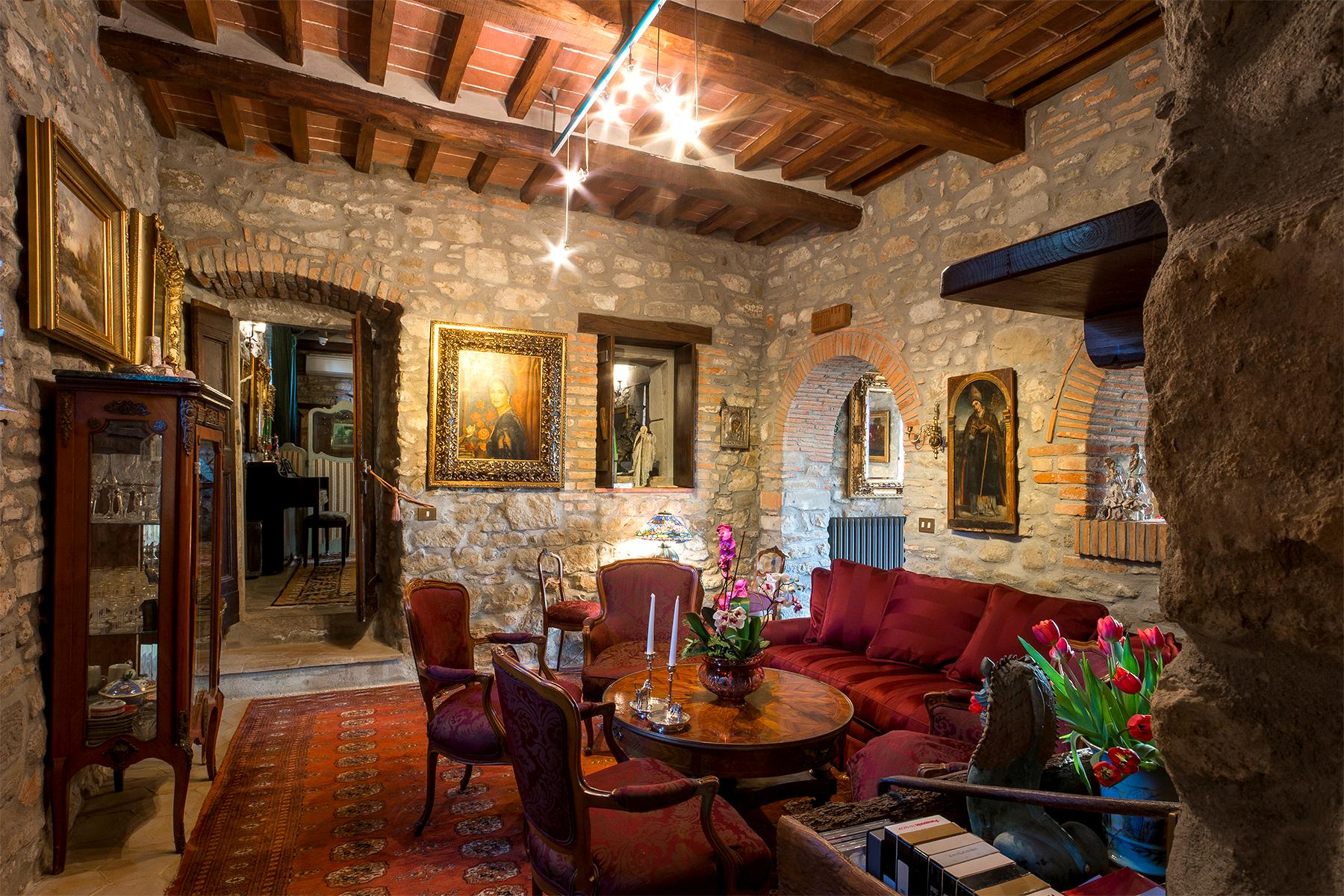 Magnificent villa with a breathtaking view in Cortona - 7