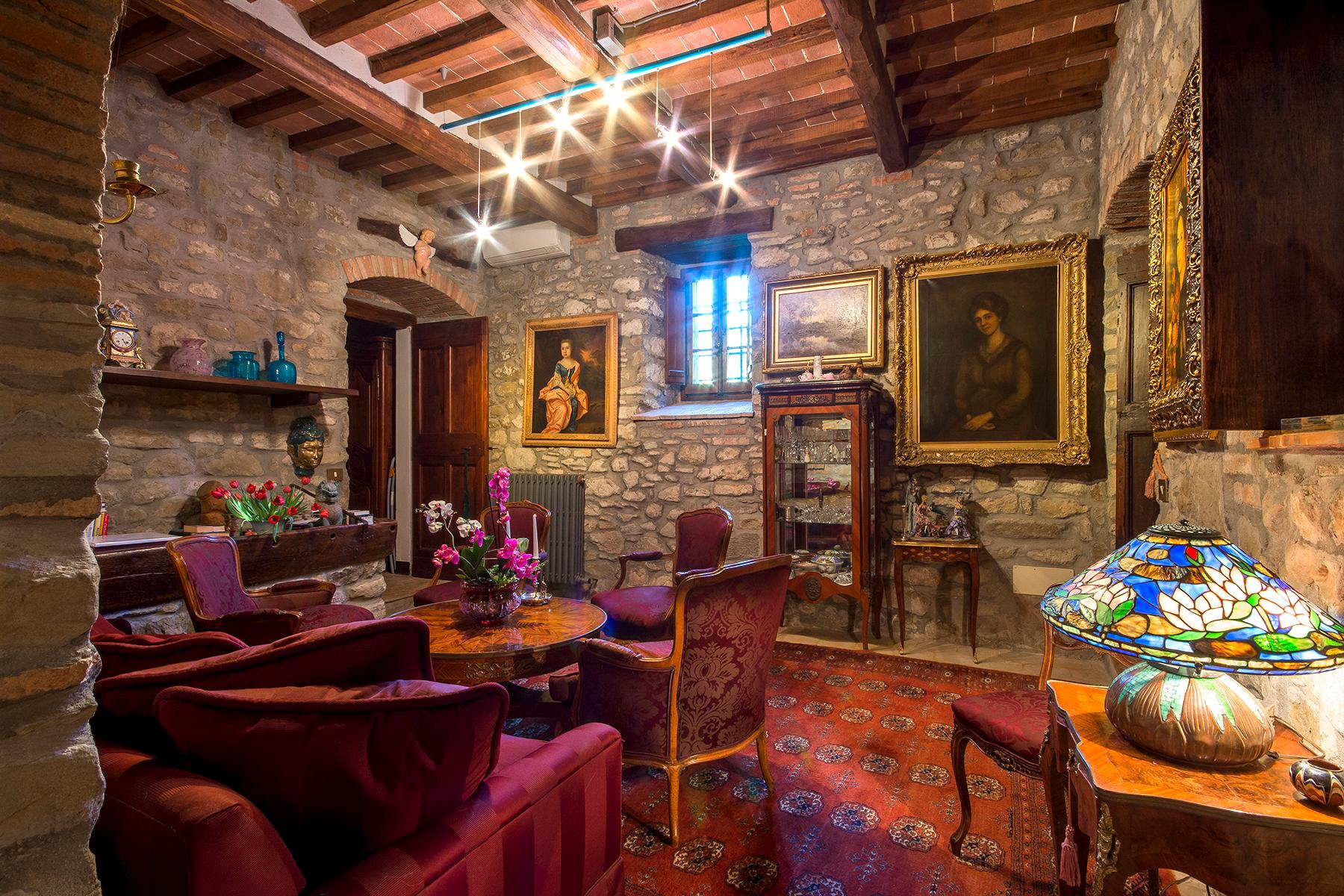 Magnificent villa with a breathtaking view in Cortona - 5