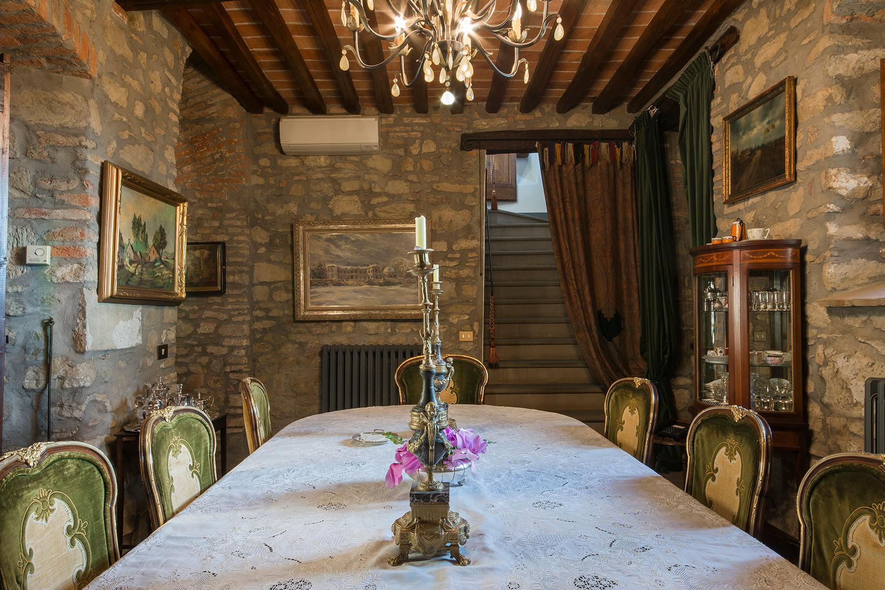 Magnificent villa with a breathtaking view in Cortona - 3