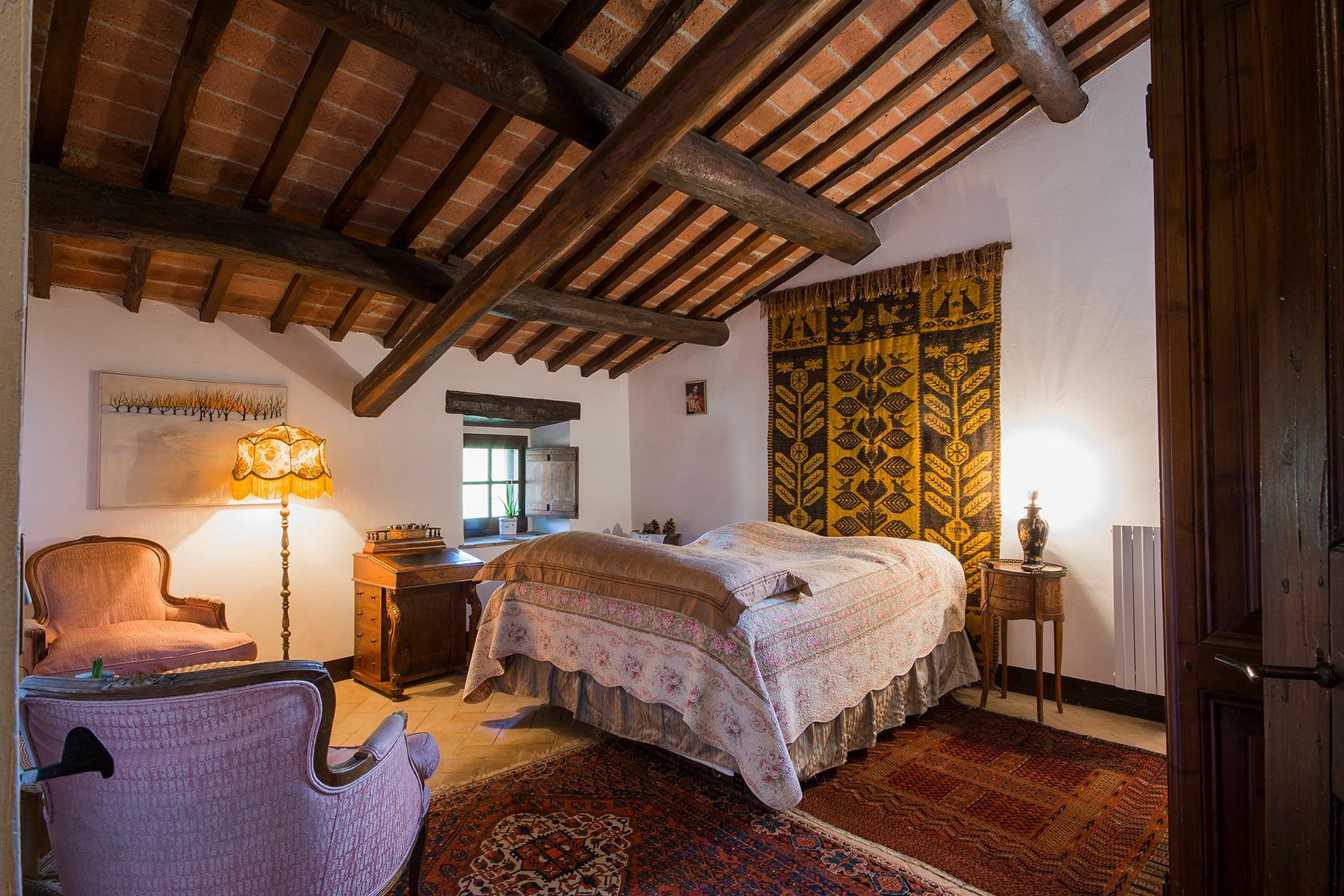 Magnificent villa with a breathtaking view in Cortona - 9