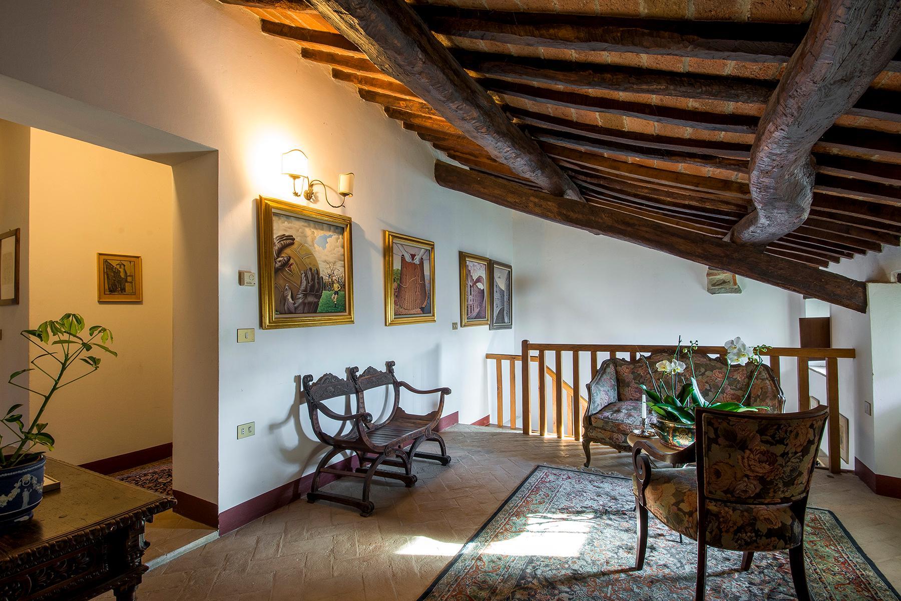 Magnificent villa with a breathtaking view in Cortona - 10