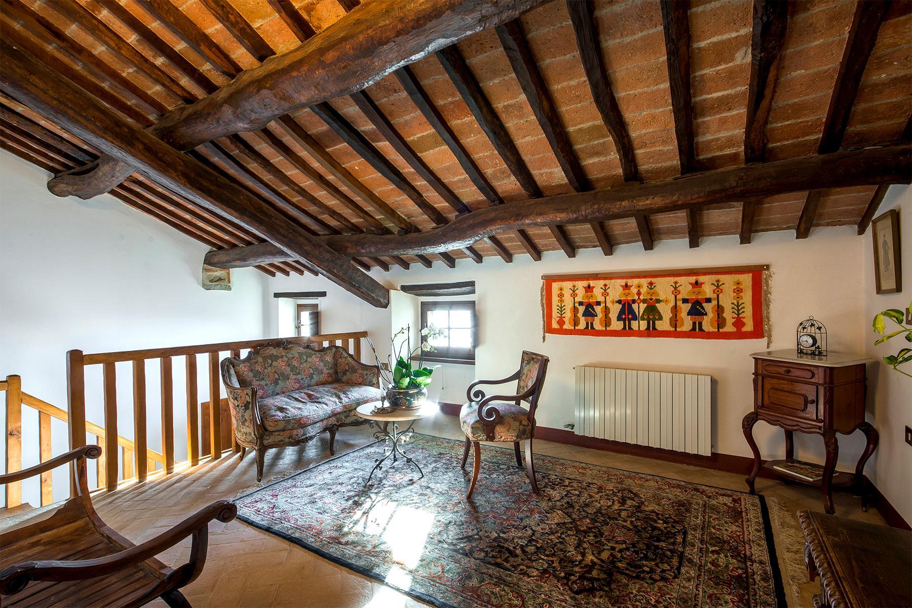Magnificent villa with a breathtaking view in Cortona - 11