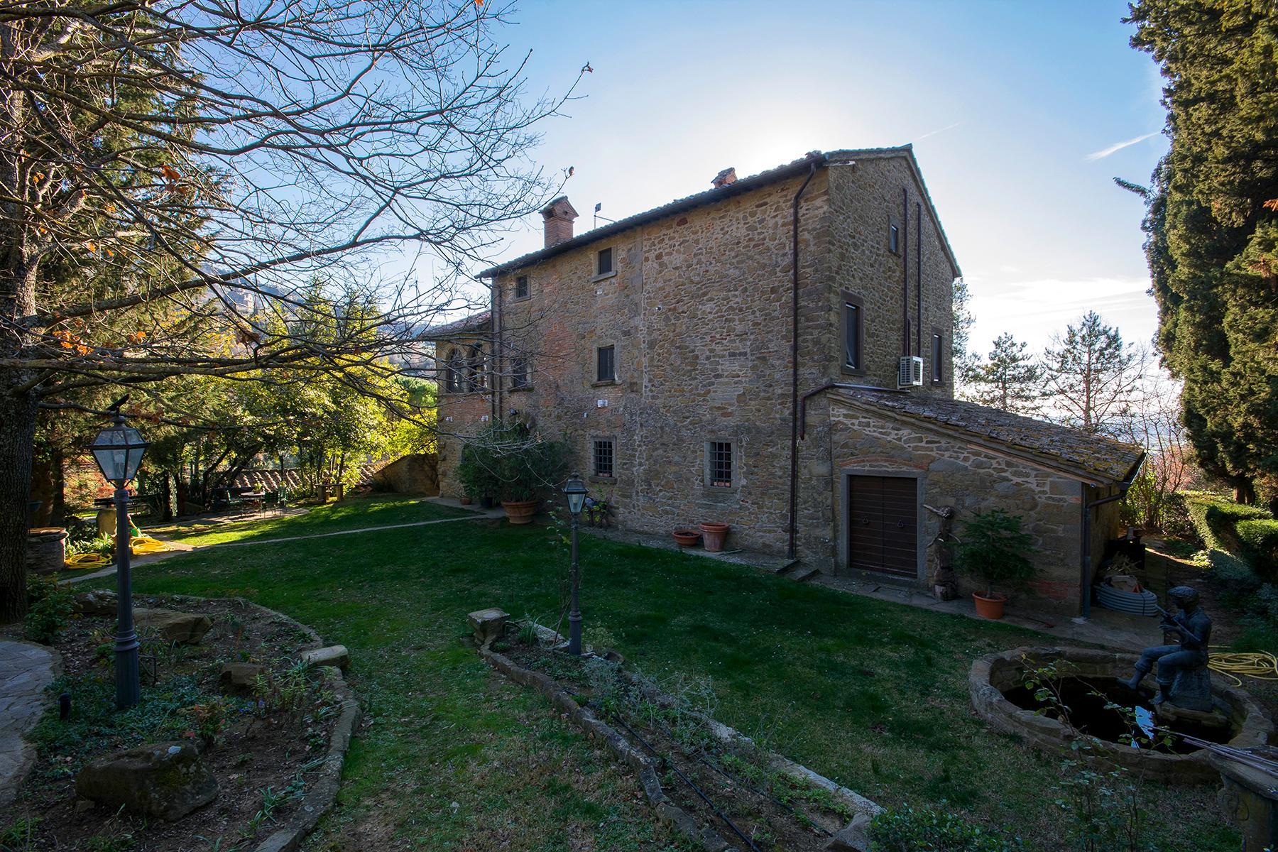 Magnificent villa with a breathtaking view in Cortona - 24