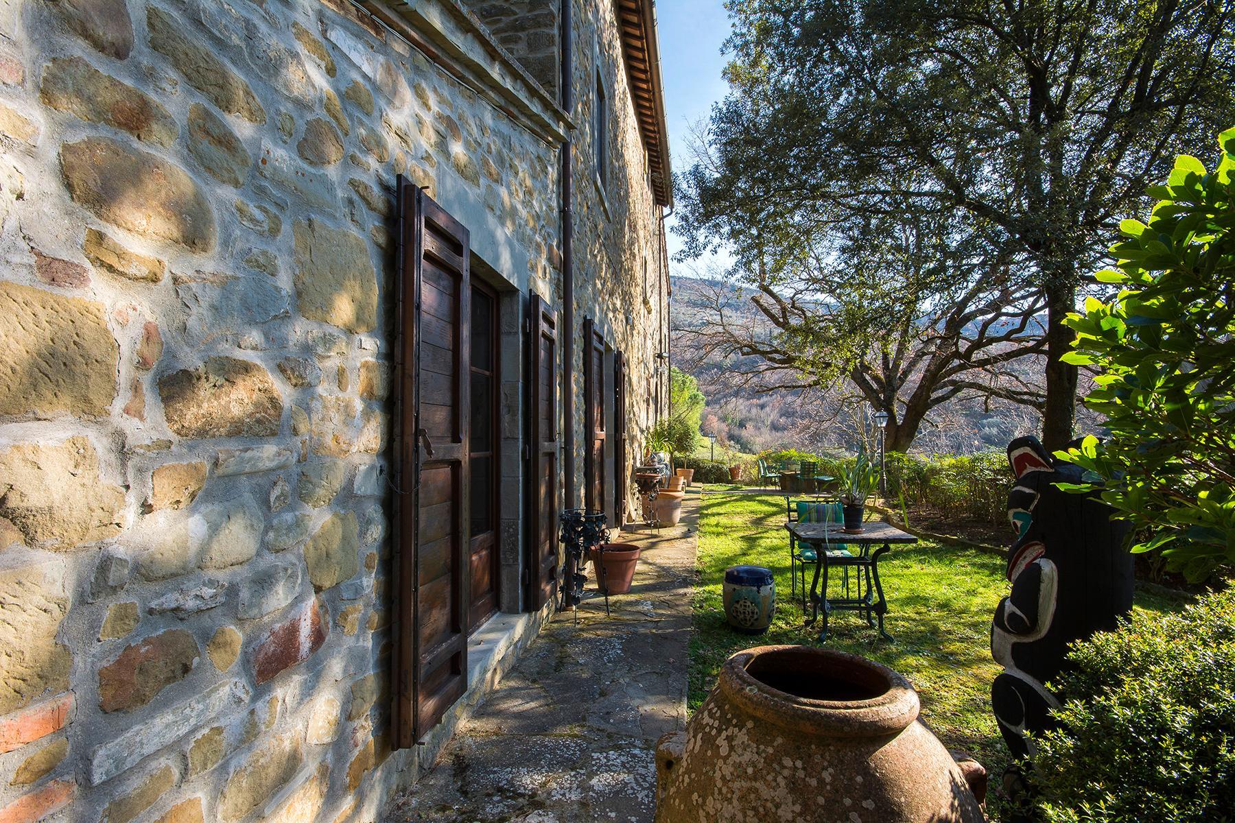 Magnificent villa with a breathtaking view in Cortona - 12