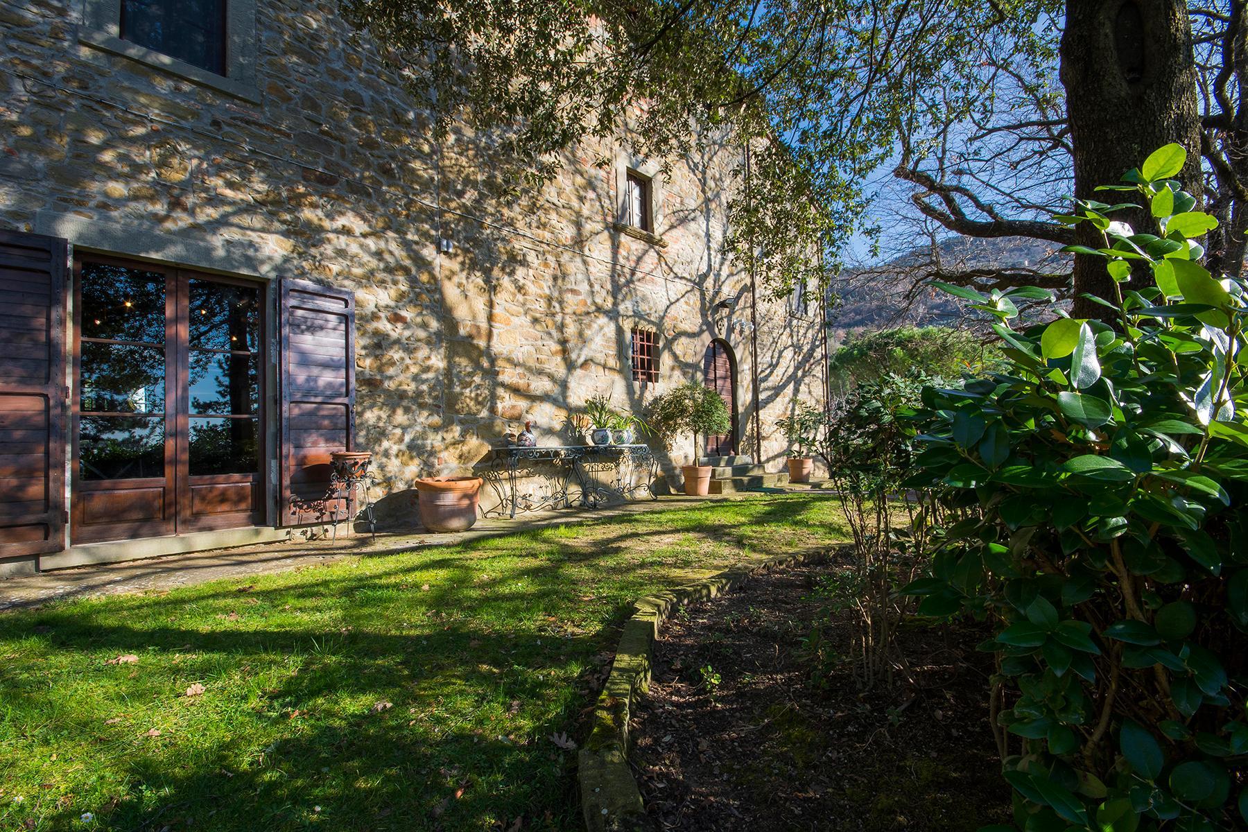 Magnificent villa with a breathtaking view in Cortona - 13