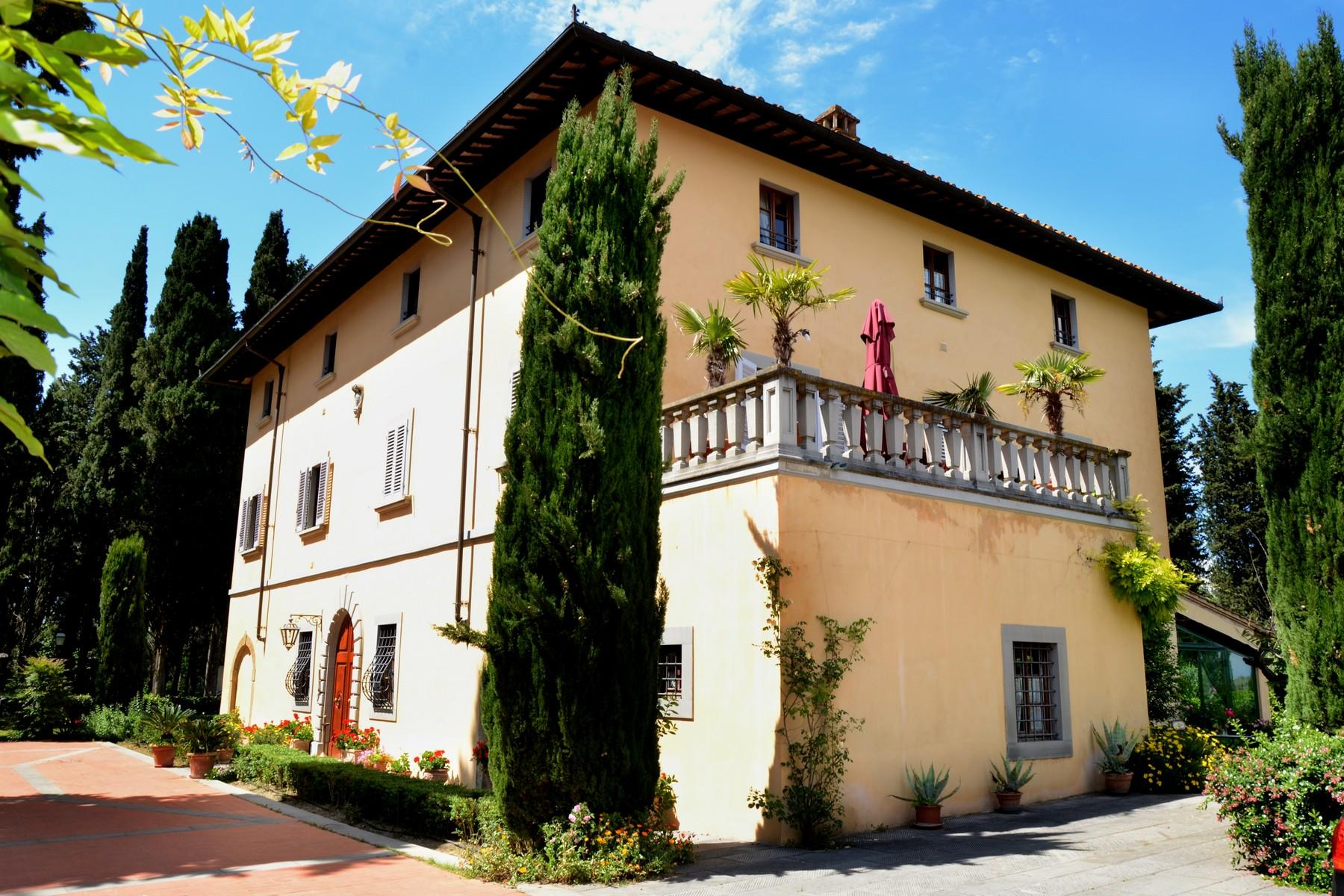 Charming holiday resort in the heart of Tuscany - 1