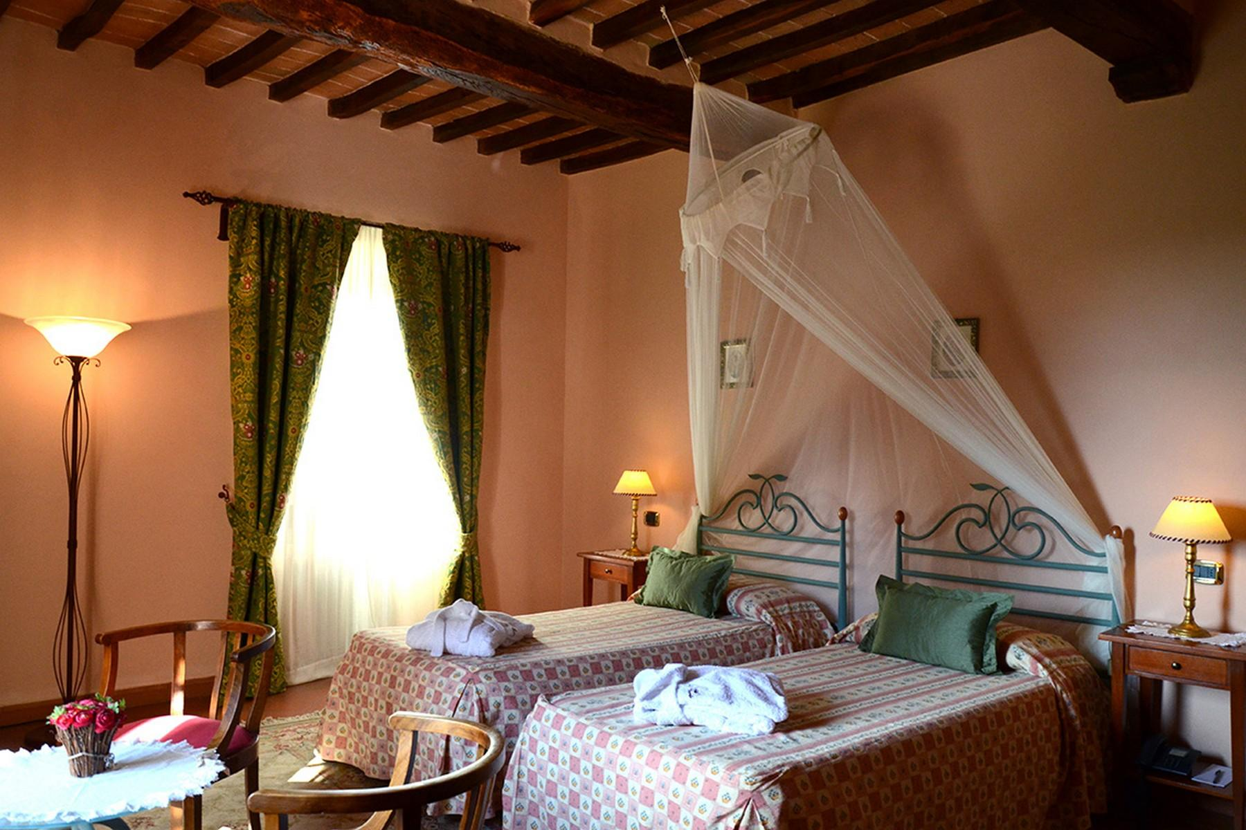 Charming holiday resort in the heart of Tuscany - 9