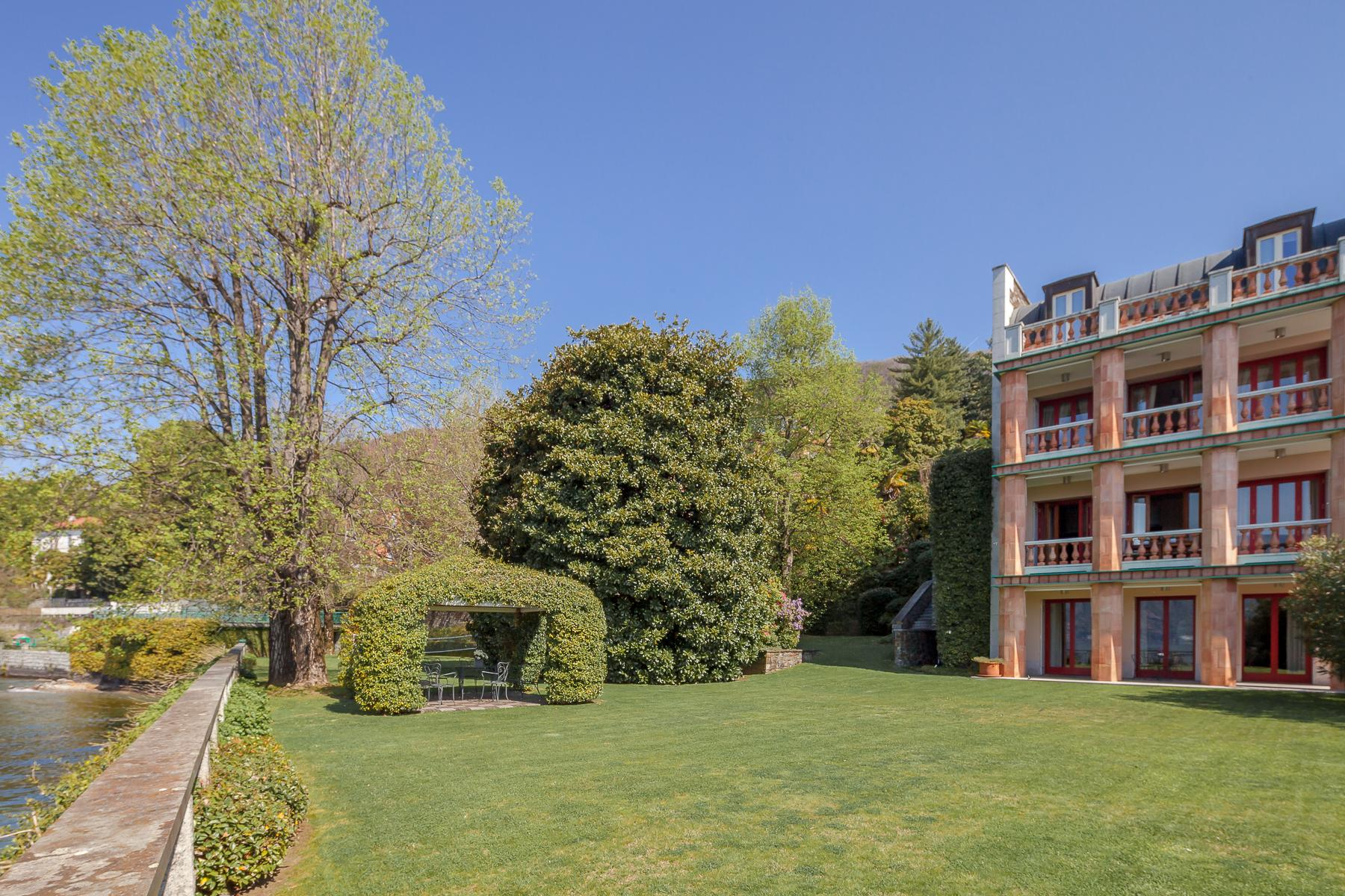 Villa with access to the lake designed and built by the architect Aldo Rossi - 8