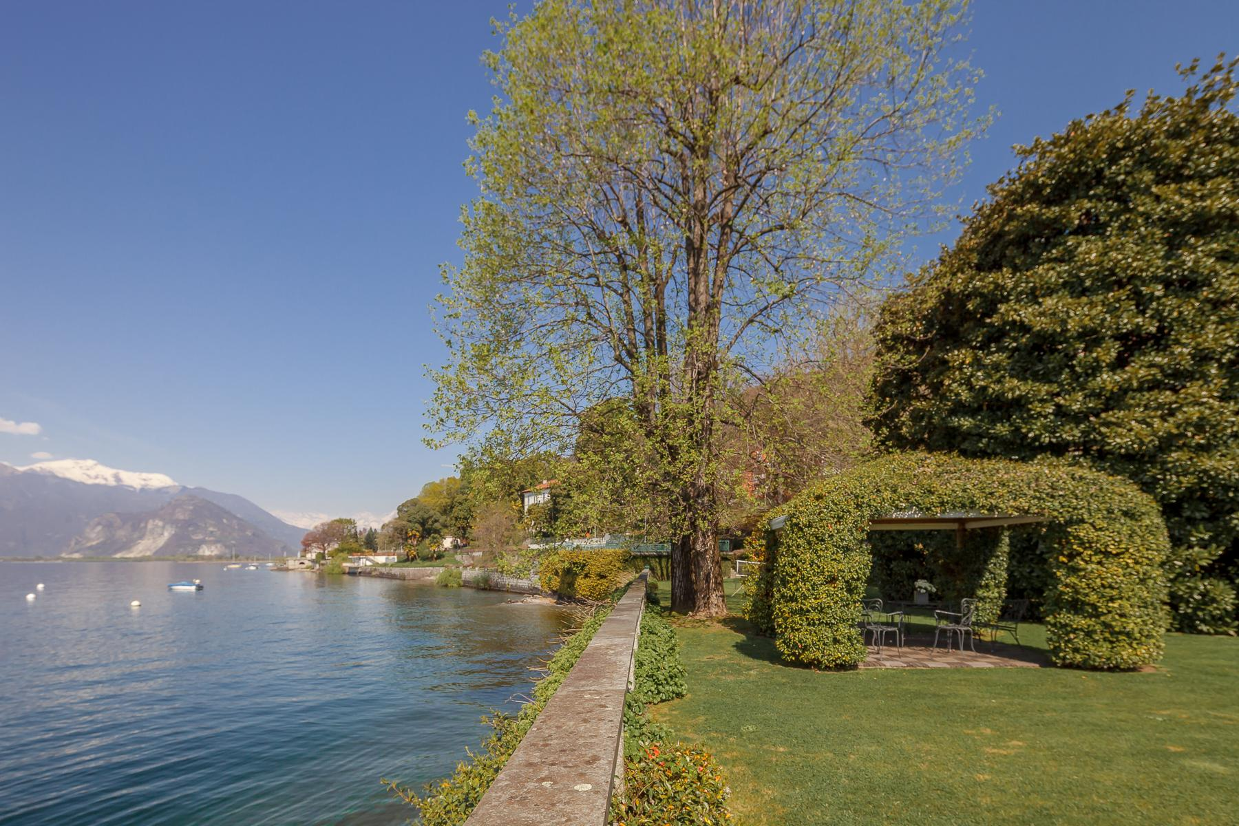 Villa with access to the lake designed and built by the architect Aldo Rossi - 6
