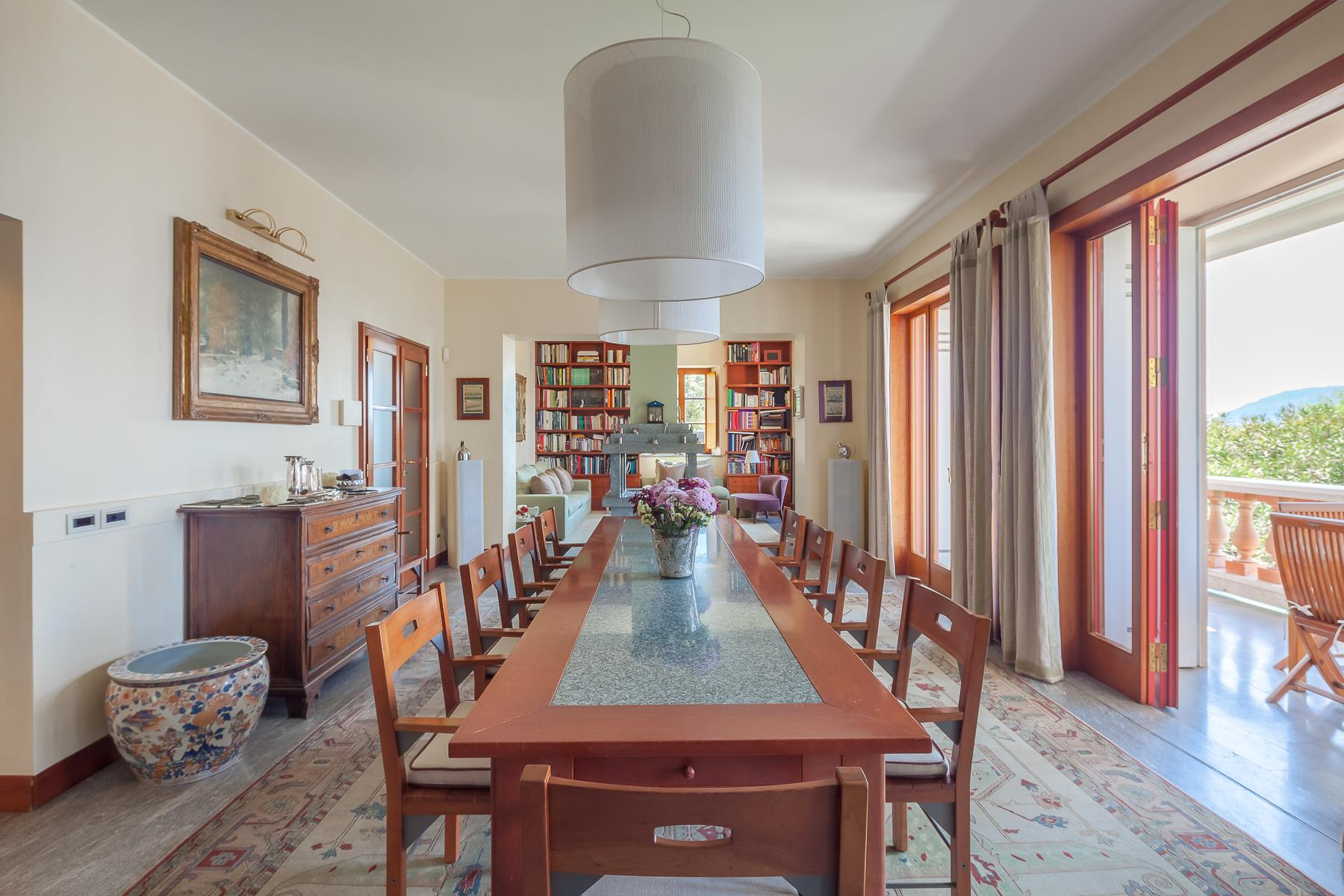 Villa with access to the lake designed and built by the architect Aldo Rossi - 14