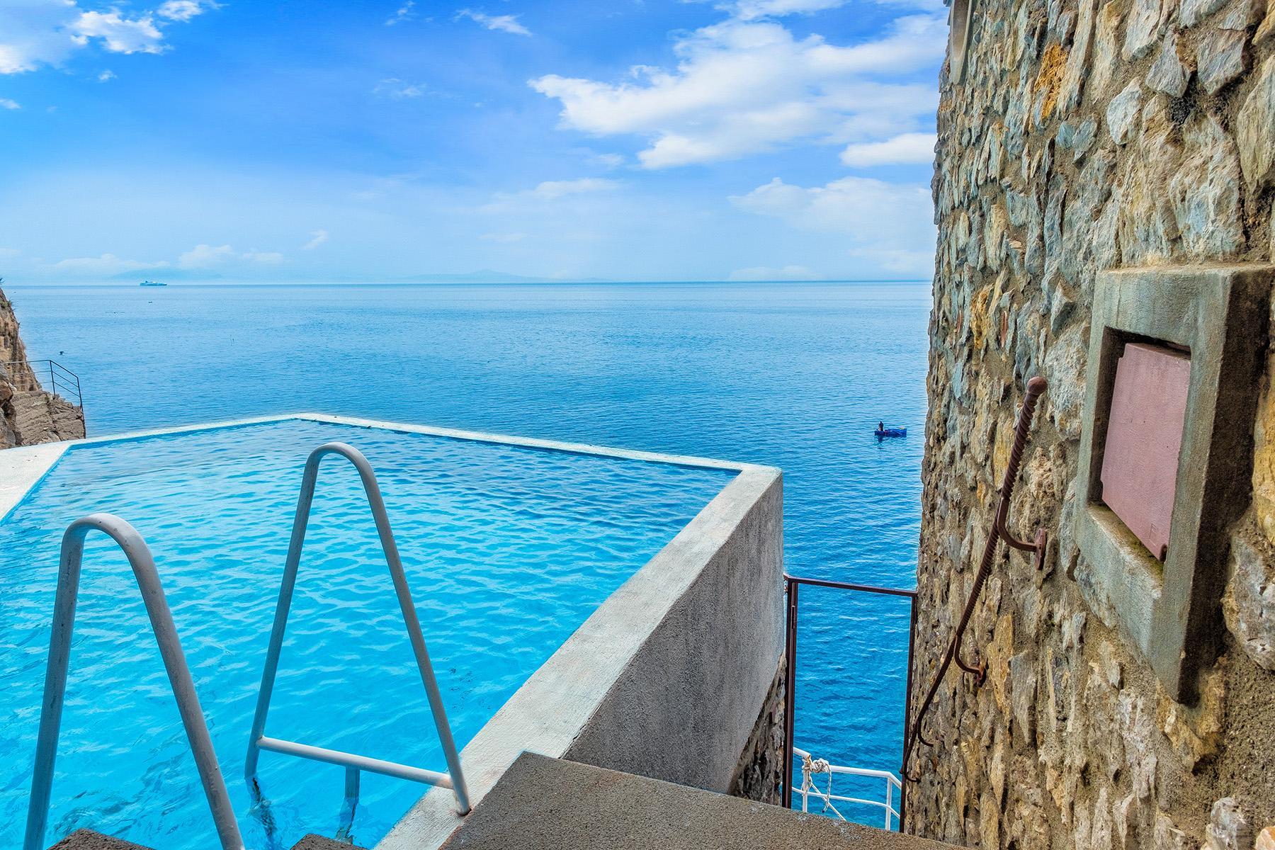 Villa pieds dans l'eau con piscina - 2