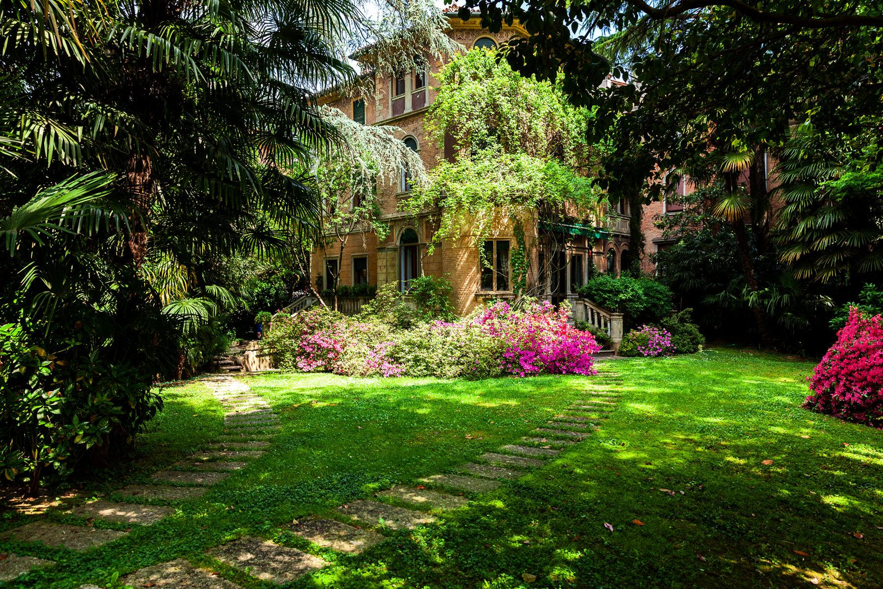 Wonderful Art Nouveau villa in the heart of Treviso - 2