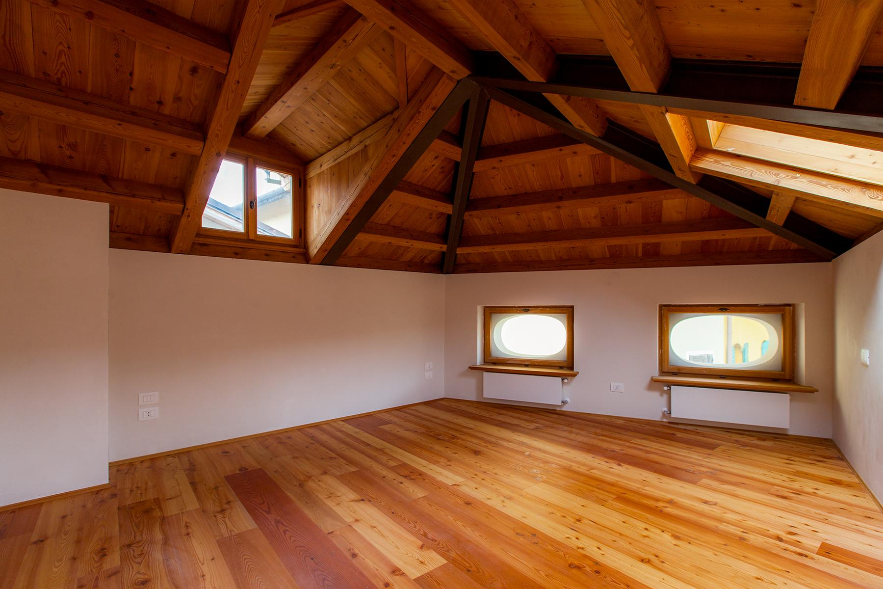 Maisonette in a charming historic building in the heart of the ancient Belluno. - 9