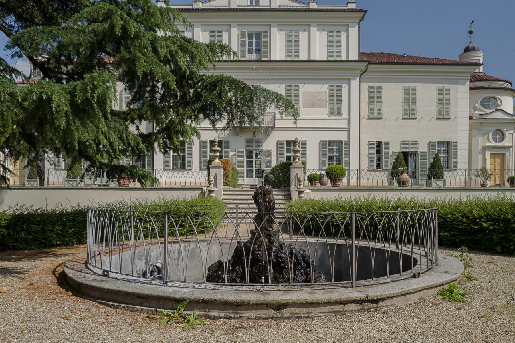 Apartment in a historical villa in Chieri - 21