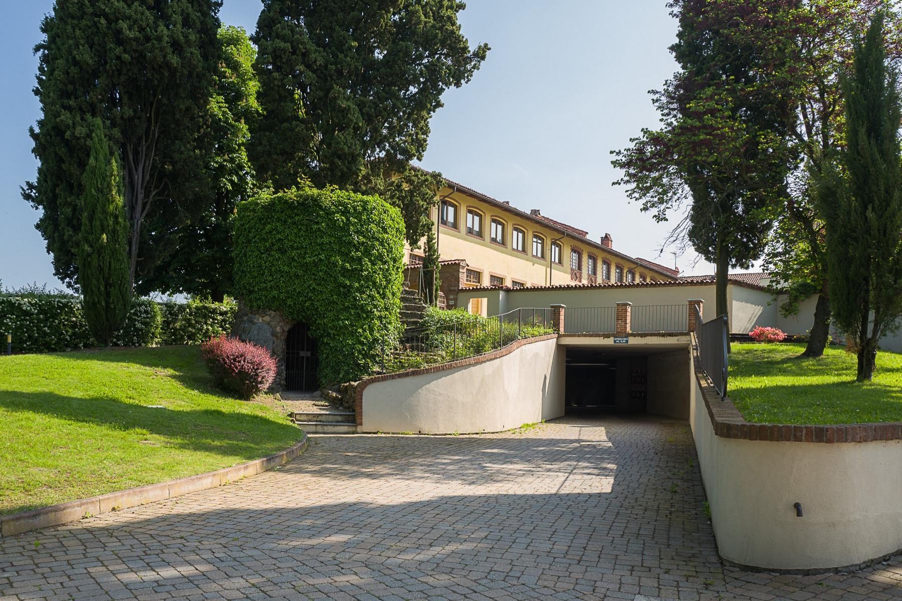 Apartment in a historical villa in Chieri - 20