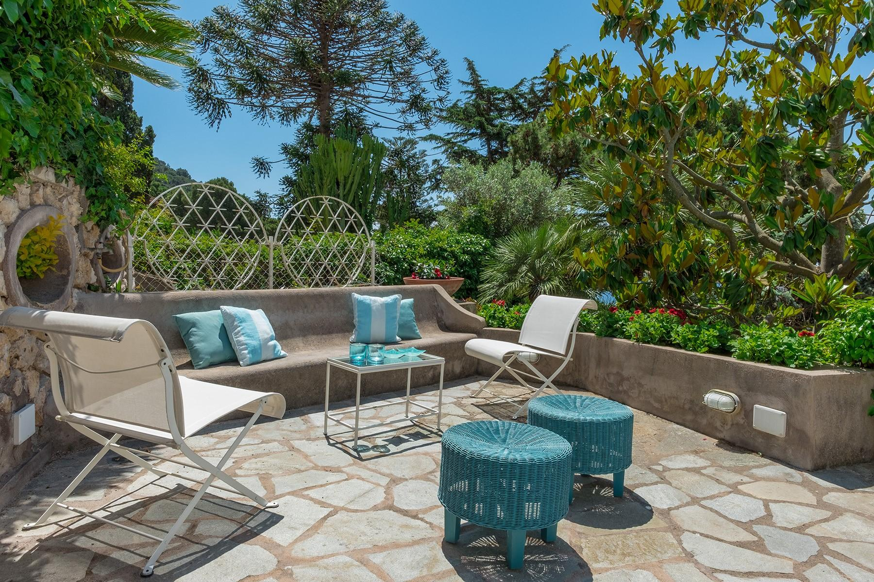 Beautiful apartamanent with garden in the centre of Capri - 2