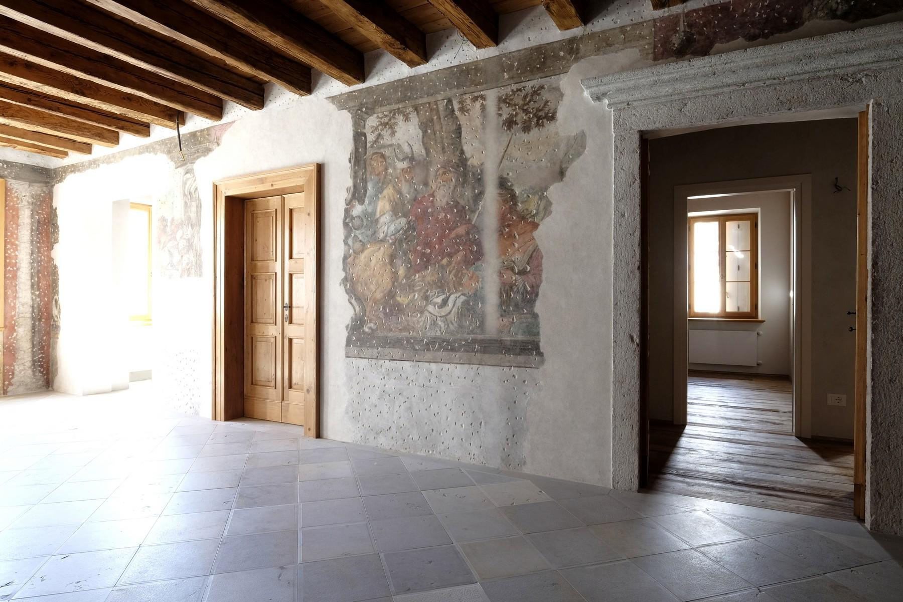 Apartment on the second floor in a charming historic building in Belluno. - 5