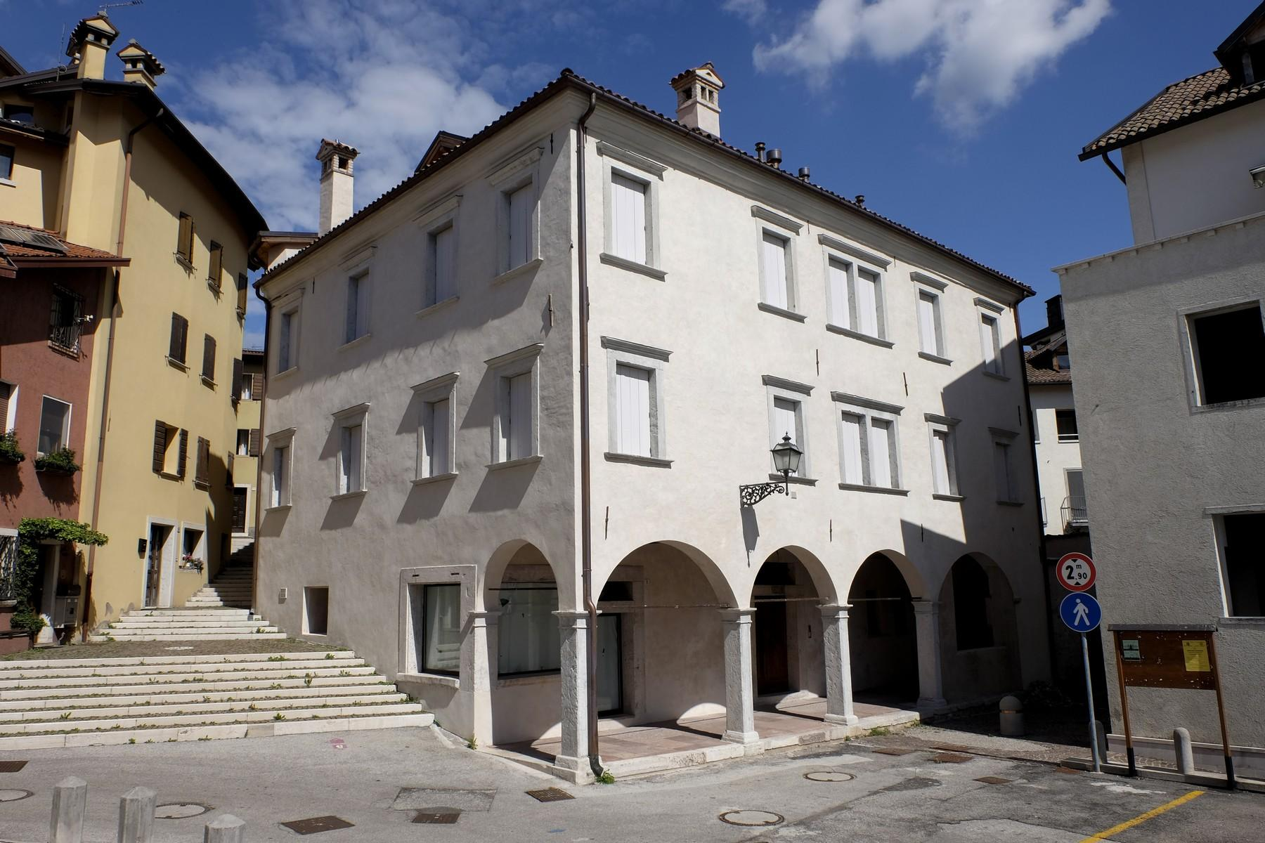 Charming historic palace in the heart of the ancient Borgo Piave in Belluno - 1