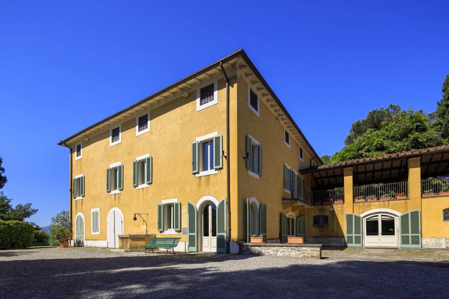Elegant villa on the Tuscan hills - 3