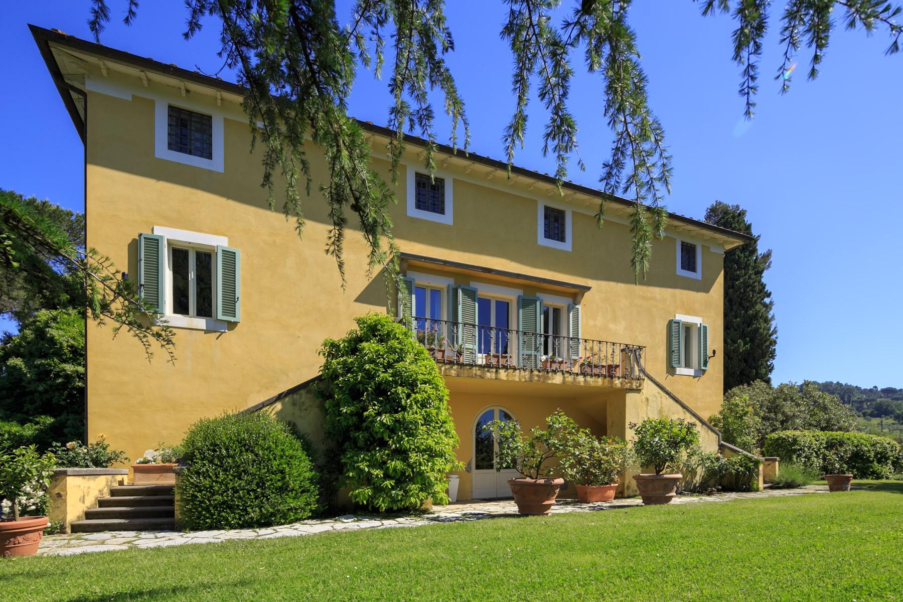 Elegant villa on the Tuscan hills - 10