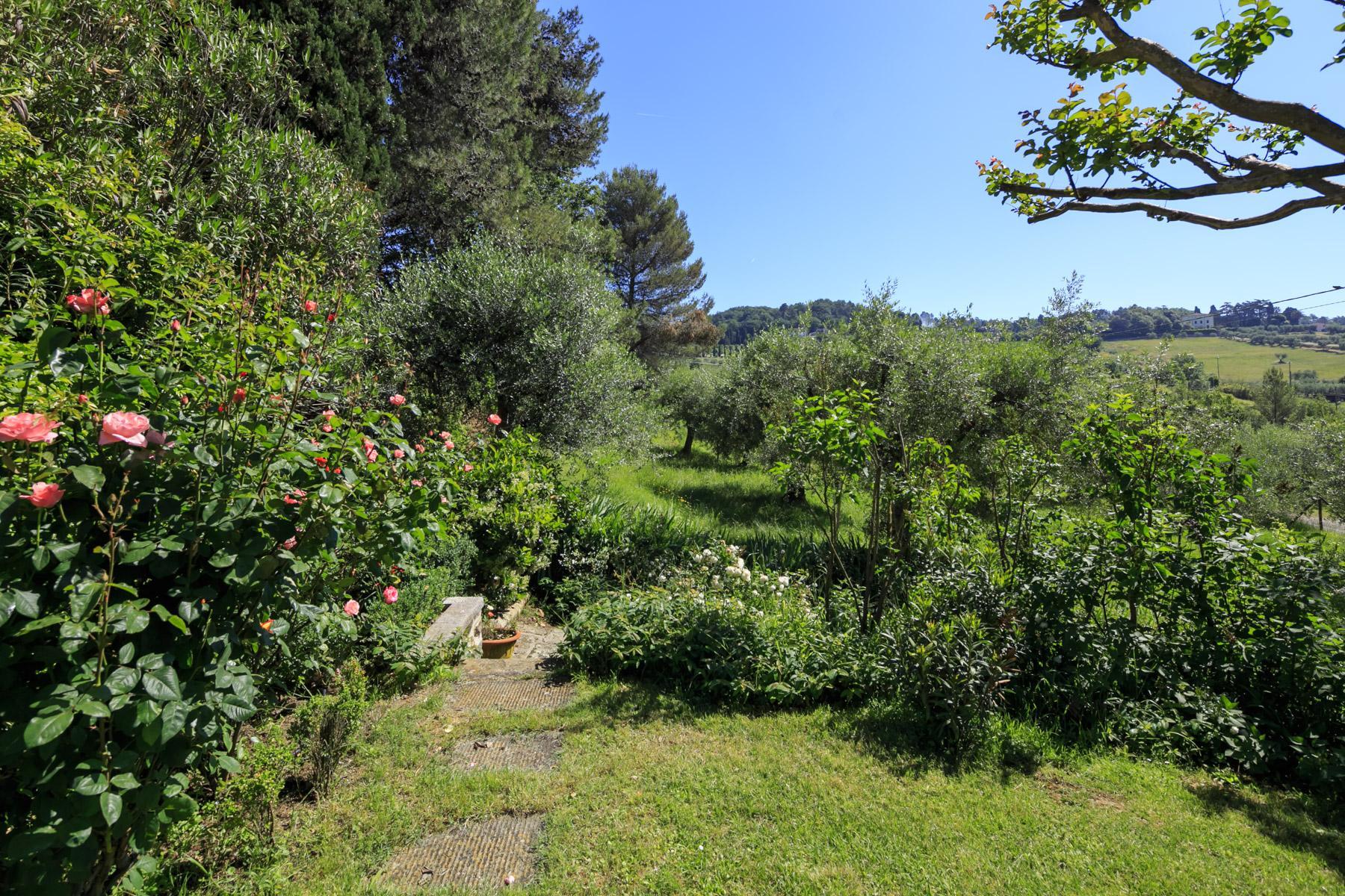 Elegant villa on the Tuscan hills - 13