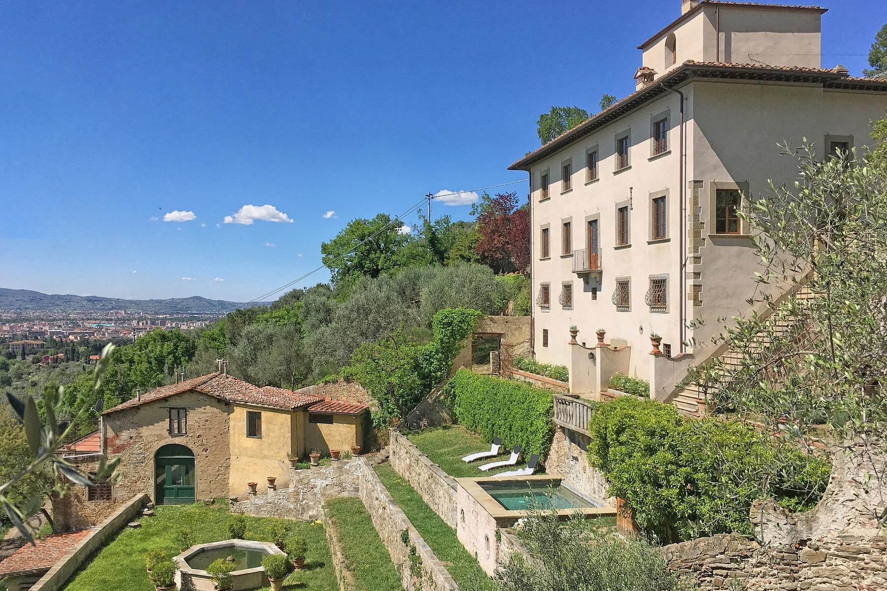 Wunderschöne Villa mit Pool auf den Hügeln von Florenz - 1
