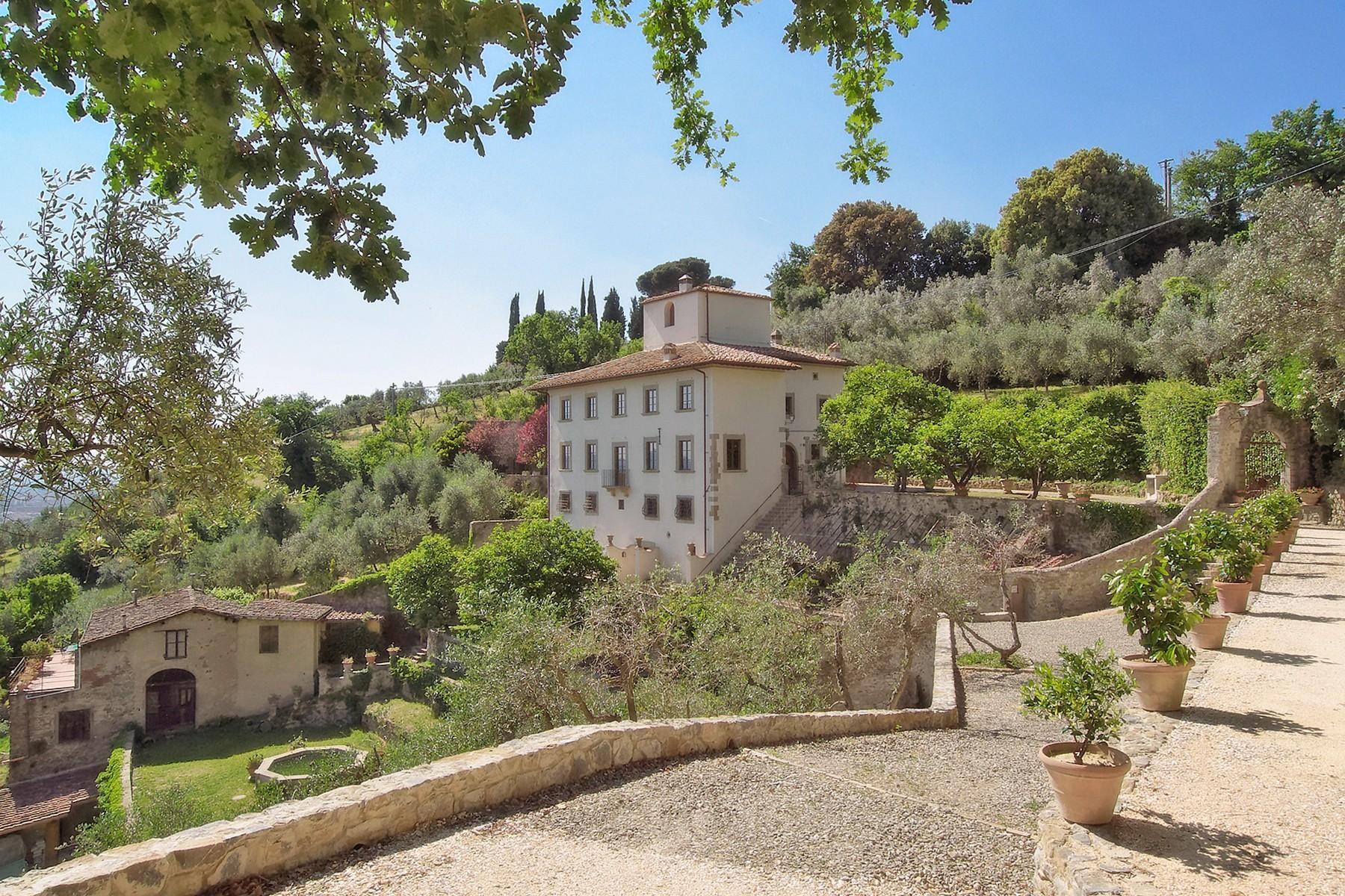 Wunderschöne Villa mit Pool auf den Hügeln von Florenz - 2