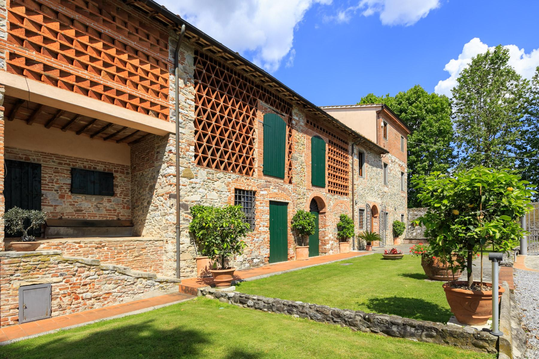 Antique farmhouse in the countryside of Lucca - 3