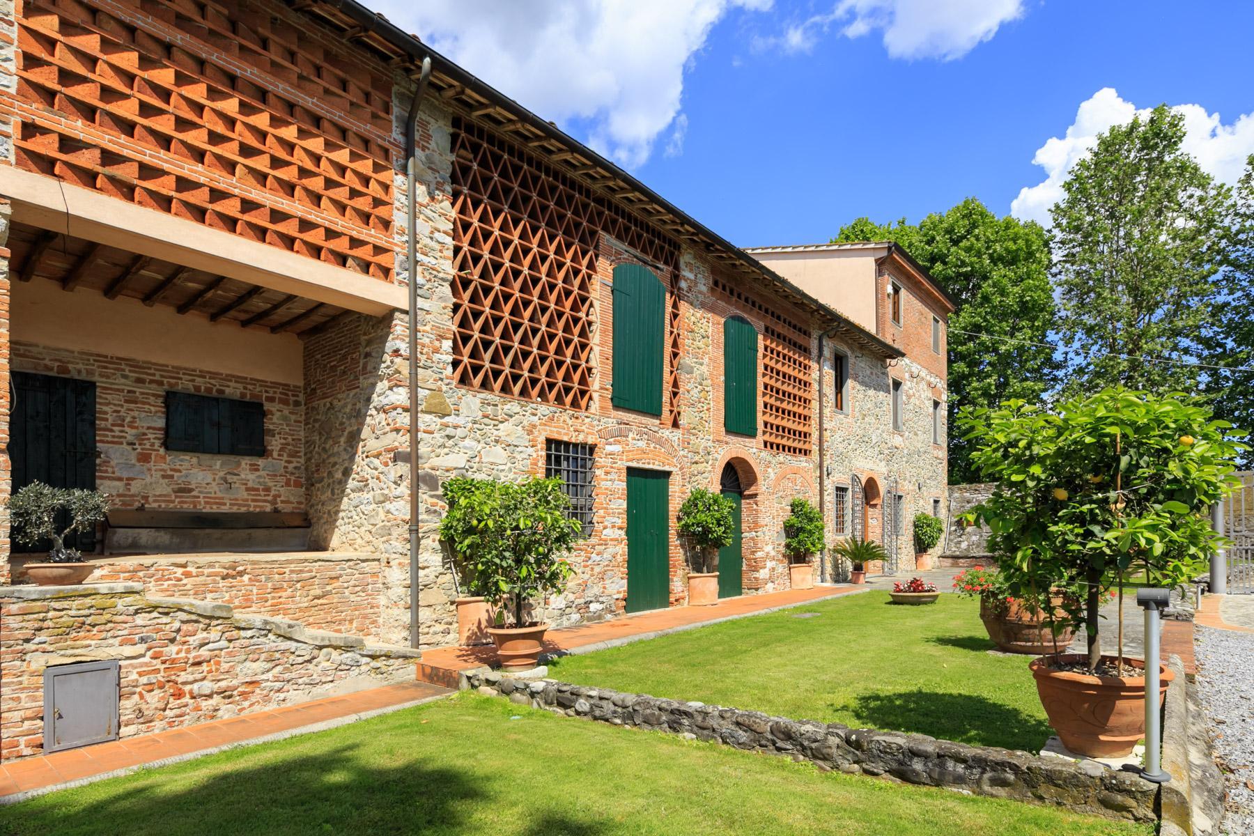 Antikes Bauernhaus auf dem Land von Lucca - 3