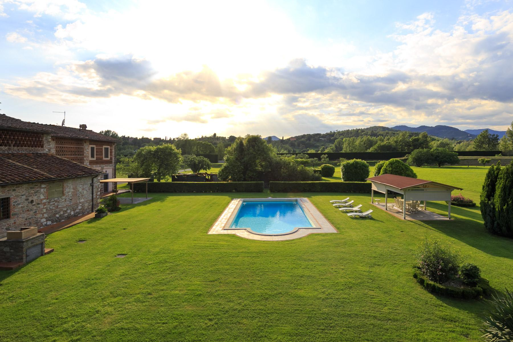 Antique farmhouse in the countryside of Lucca - 13