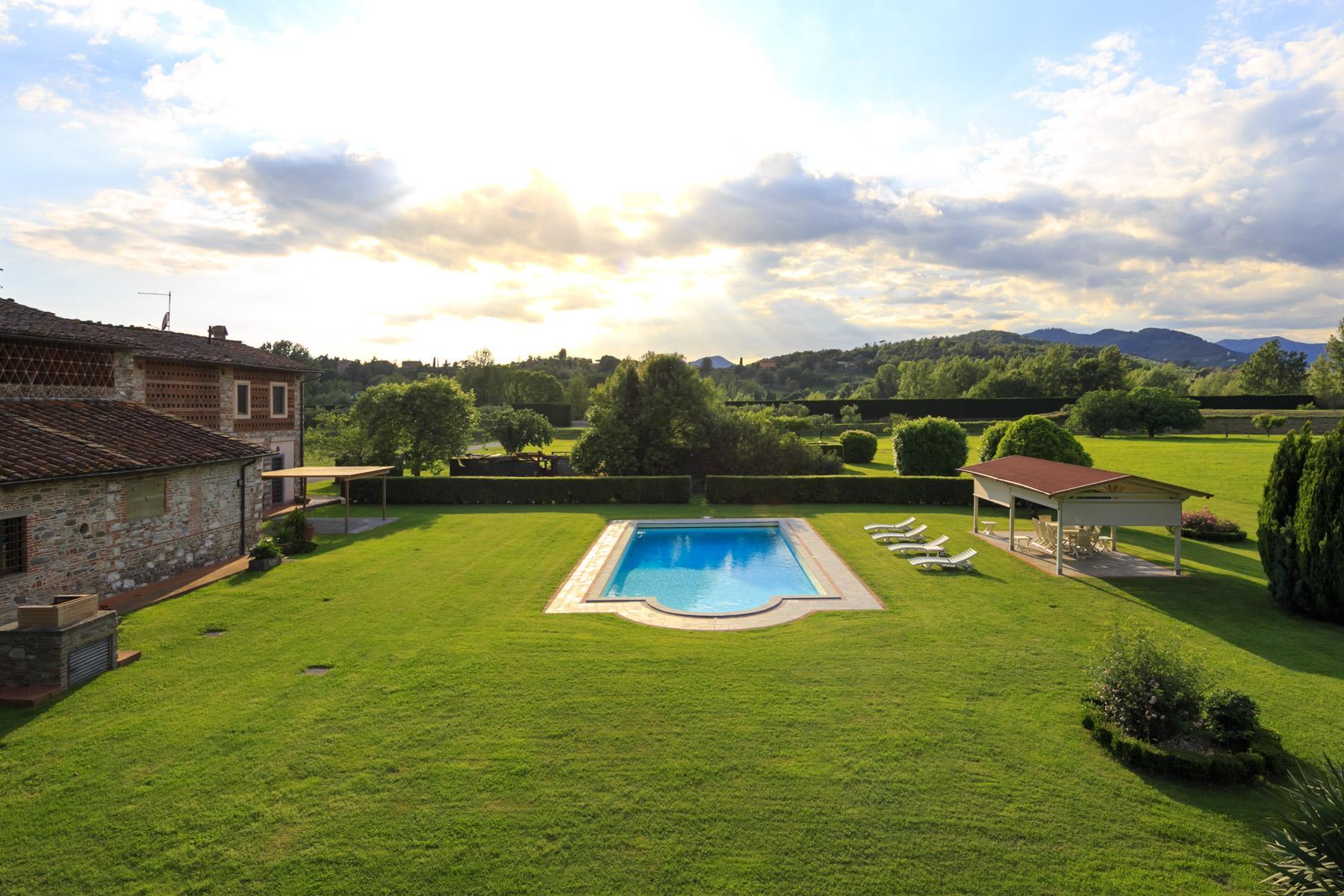Antikes Bauernhaus auf dem Land von Lucca - 13