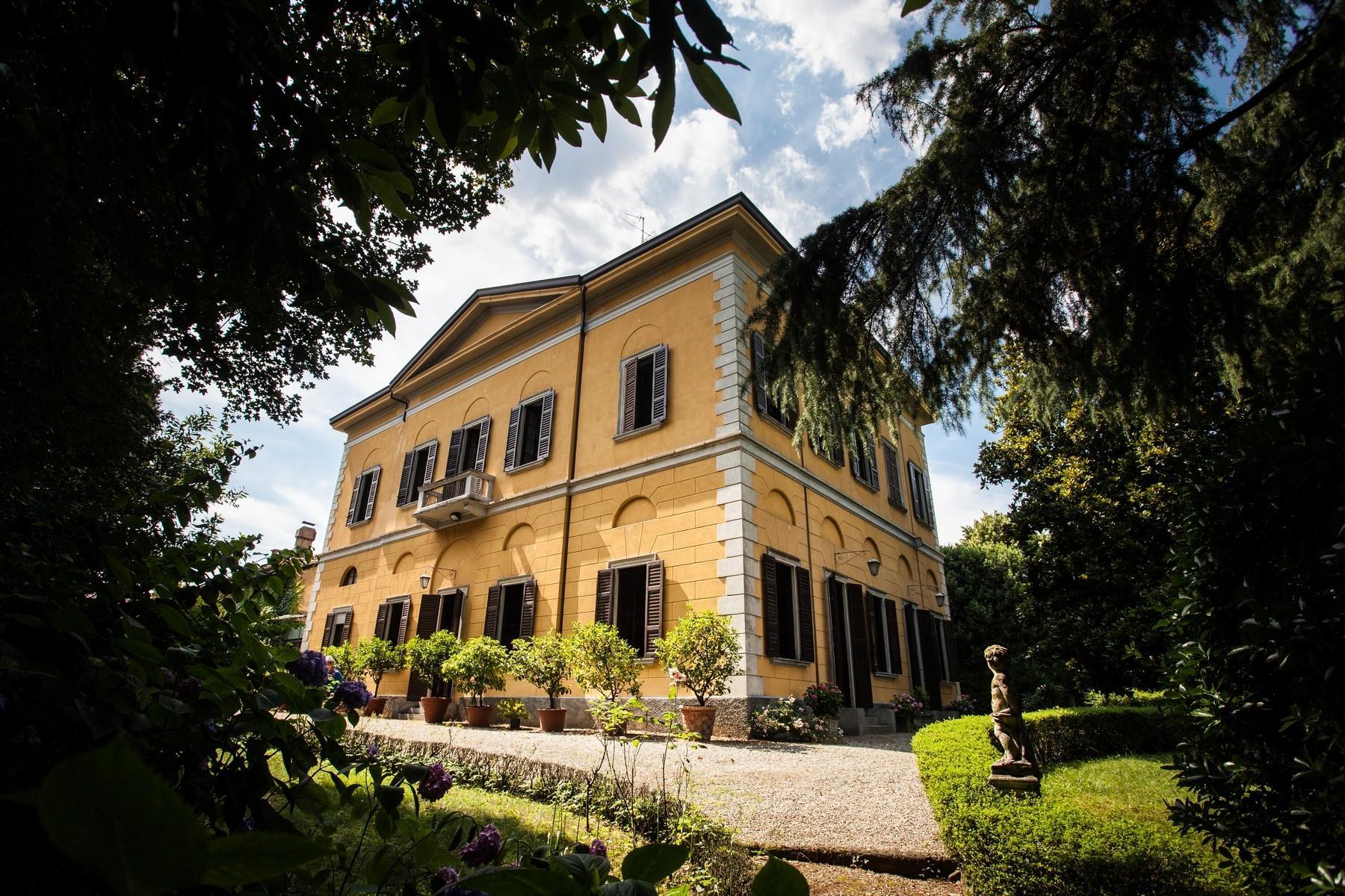Elégante villa historique dans un parc botanique - 1