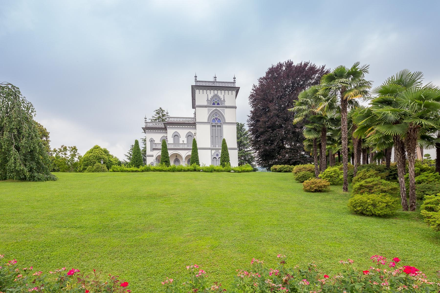 Art-Nouveau villa on the shores of Lesa - 8
