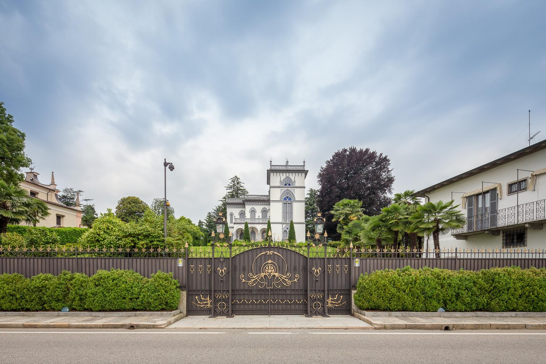 Art-Nouveau villa on the shores of Lesa - 14