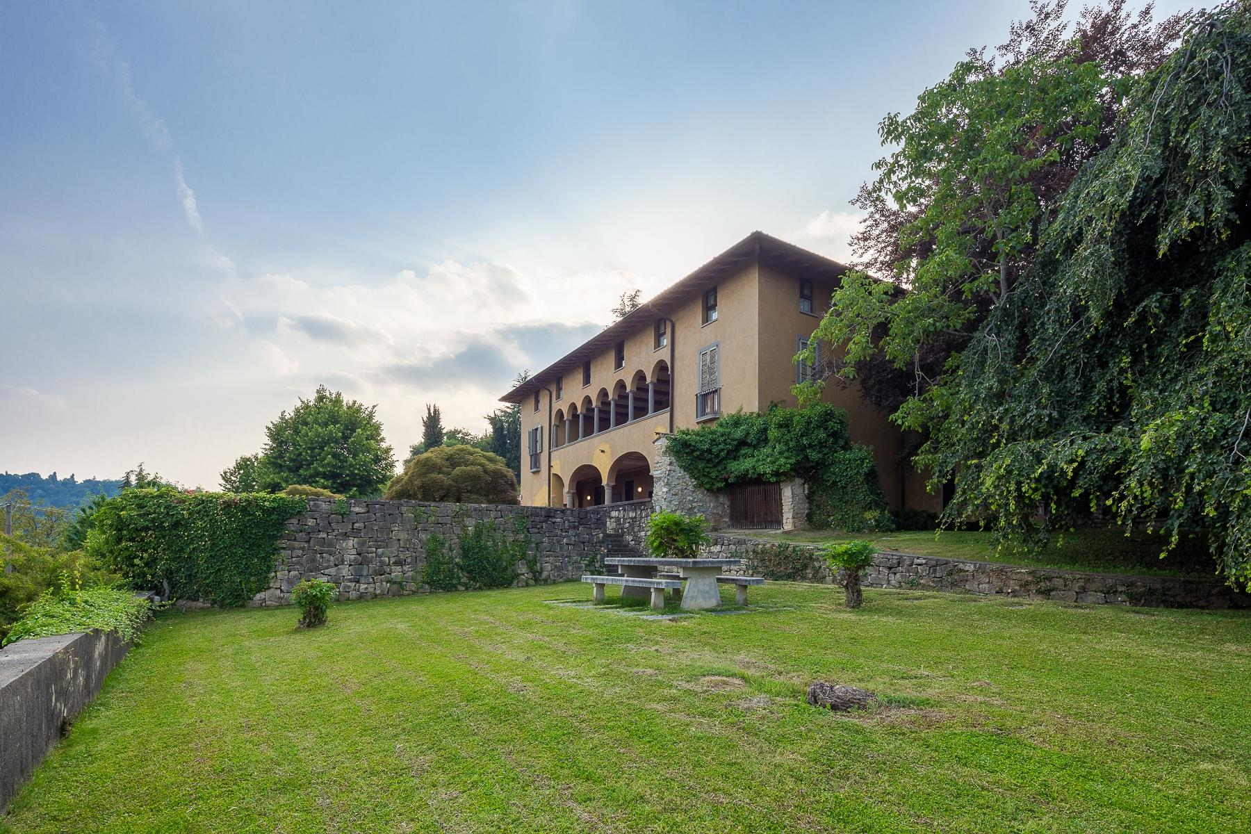 Wonderful property in the Bergamo hills - 3